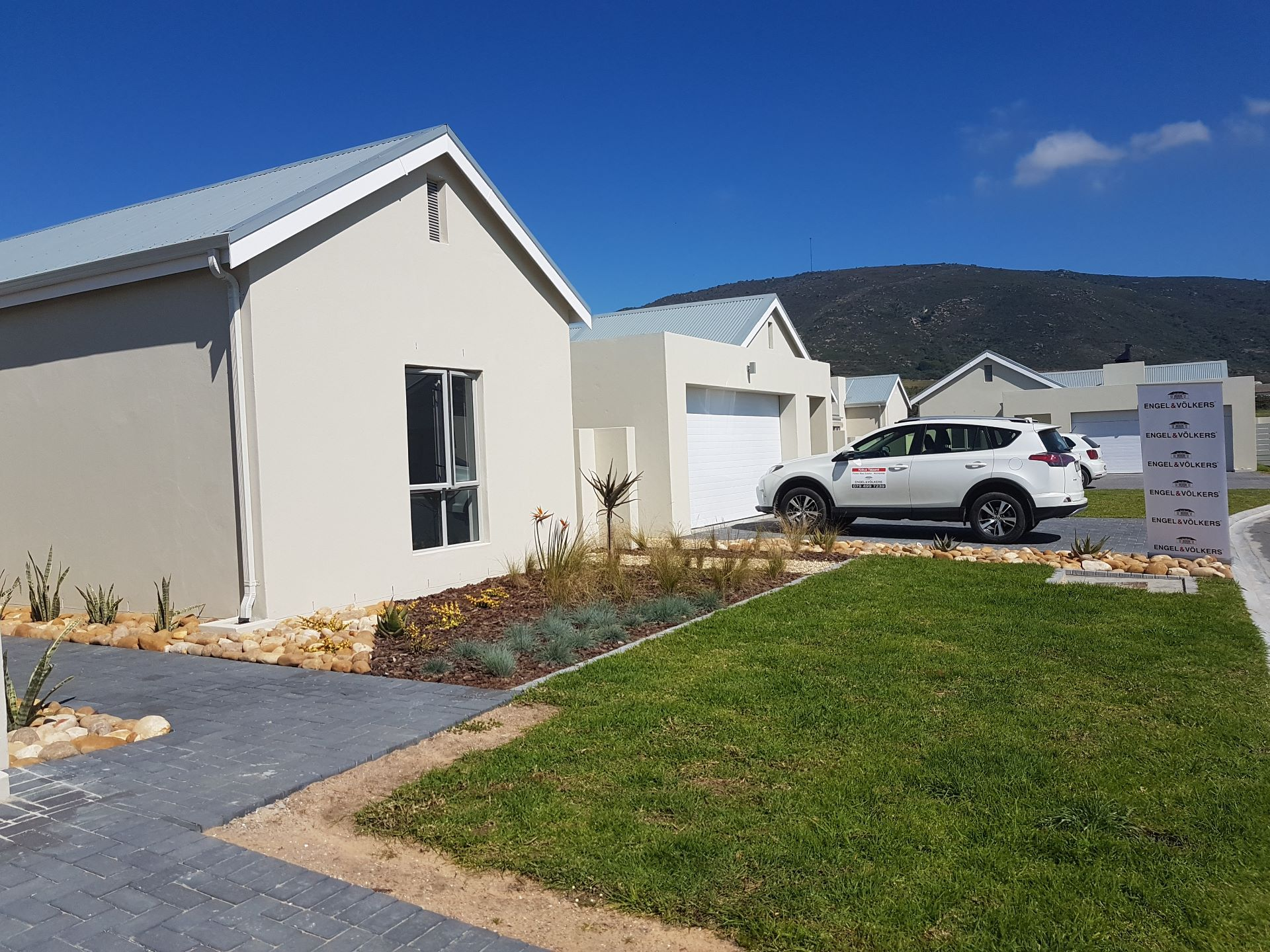 Property and Houses for sale in Paarl North, House, 4 Bedrooms - ZAR 3,075,000