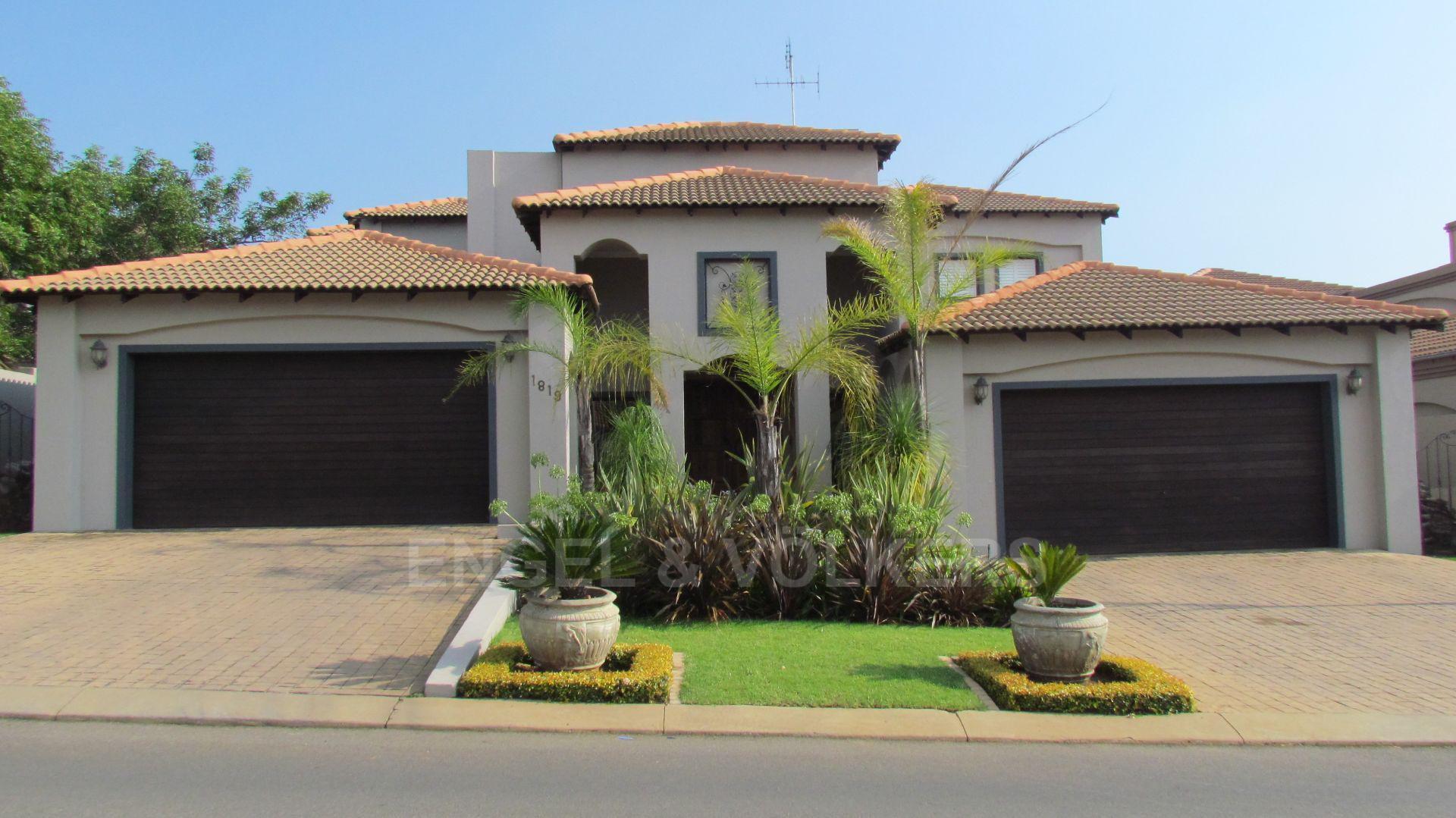 Centurion, Blue Valley Golf Estate Property  | Houses For Sale Blue Valley Golf Estate, BLUE VALLEY GOLF ESTATE, House 5 bedrooms property for sale Price:6,450,000