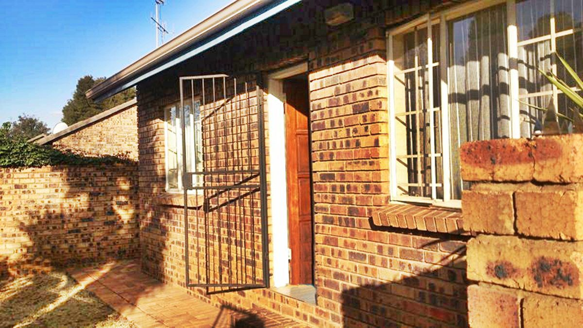 Highveld property for sale. Ref No: 13229869. Picture no 4