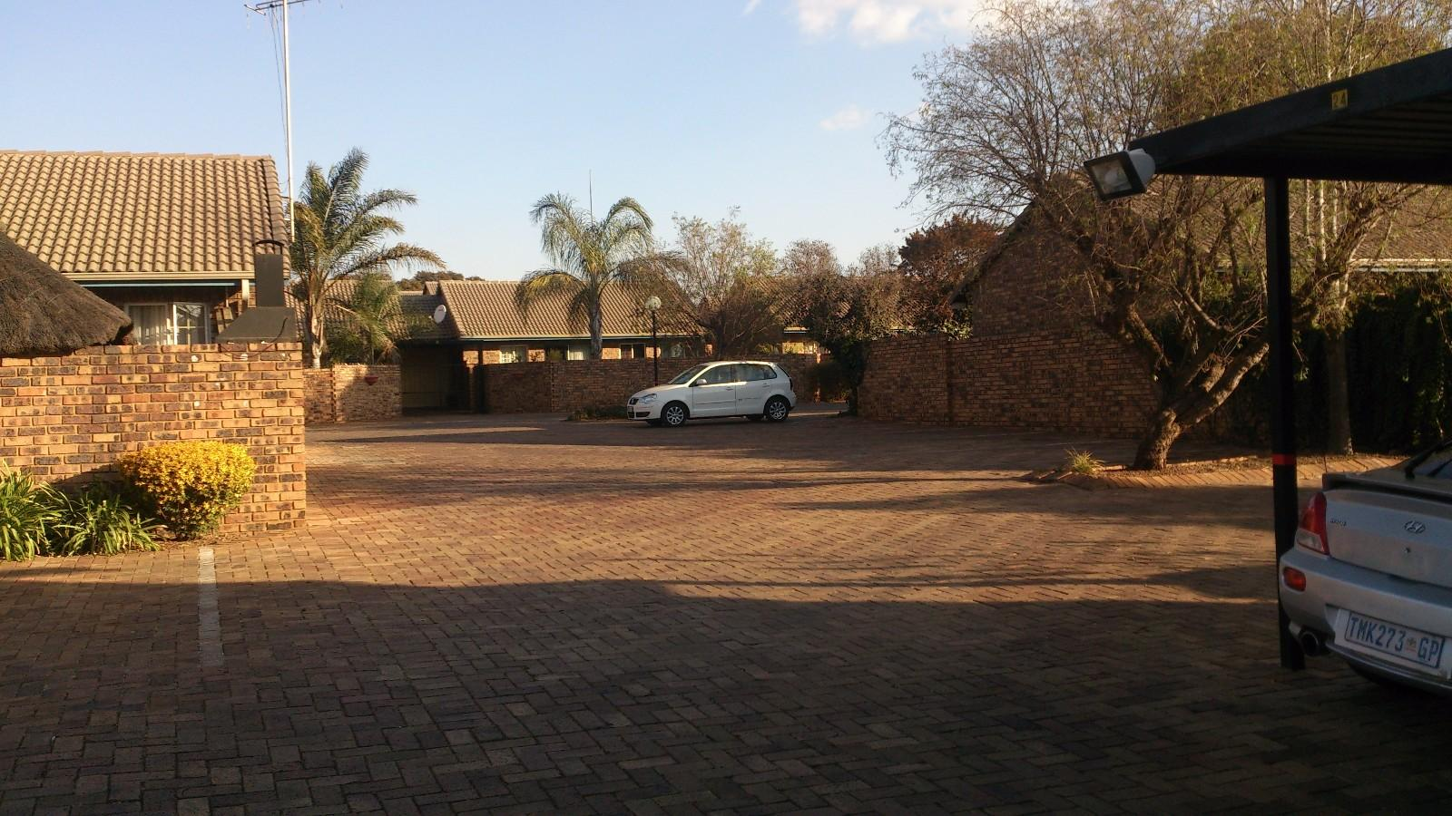 Highveld property for sale. Ref No: 13229869. Picture no 6