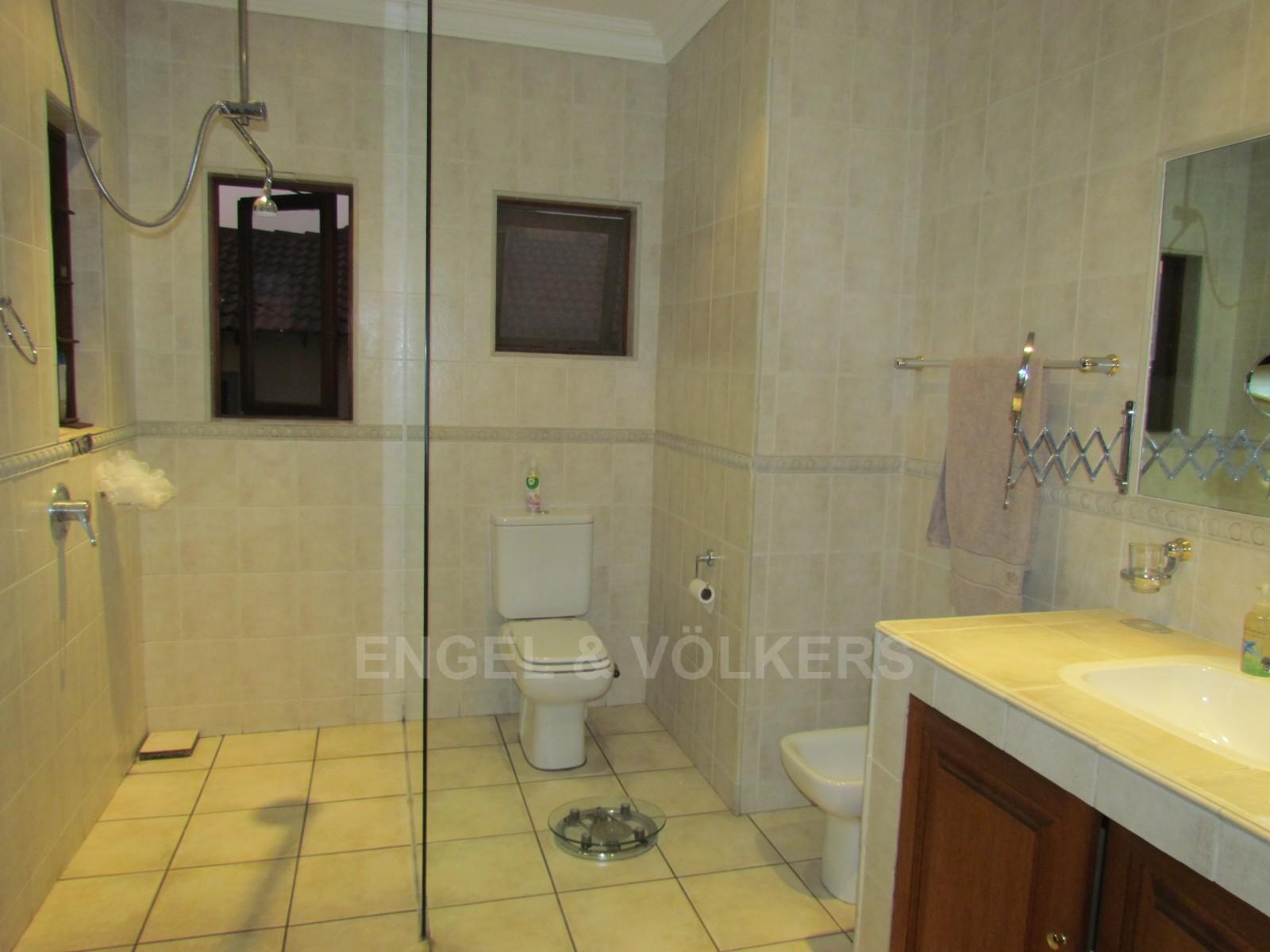 Blue Valley Golf Estate property to rent. Ref No: 13256594. Picture no 14