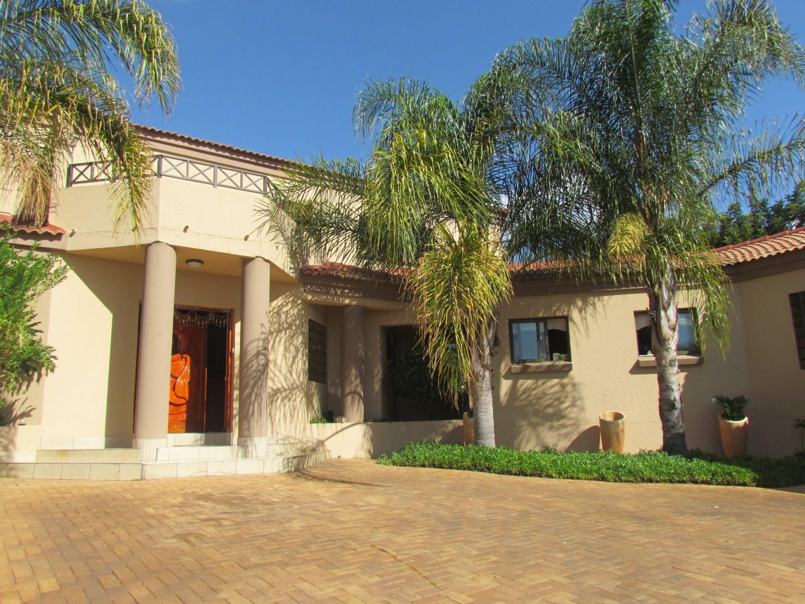 Centurion, Blue Valley Golf Estate Property  | Houses To Rent Blue Valley Golf Estate, BLUE VALLEY GOLF ESTATE, House 5 bedrooms property to rent Price:, 30,00*