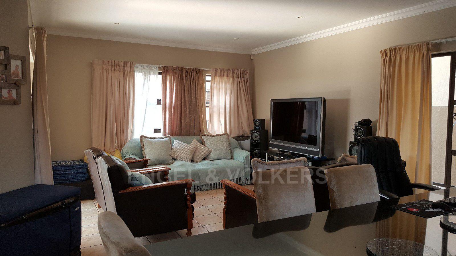 Irene View Estate property for sale. Ref No: 13388279. Picture no 4