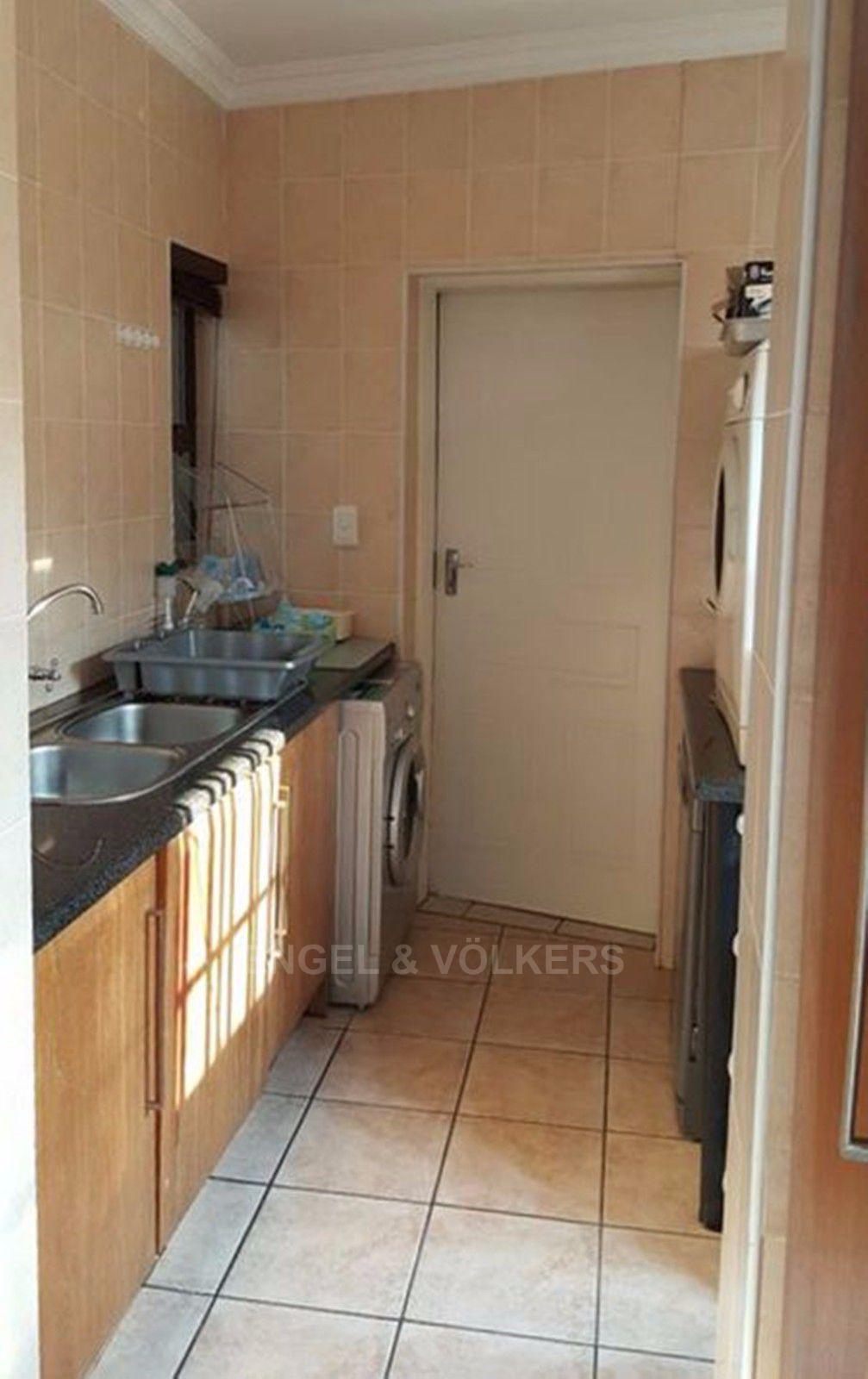 Irene View Estate property for sale. Ref No: 13388279. Picture no 19