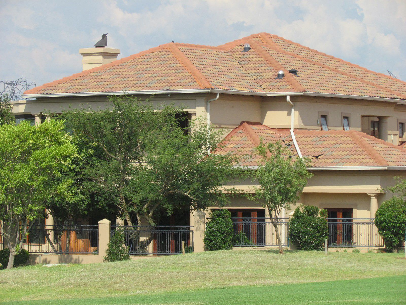 Blue Valley Golf Estate property for sale. Ref No: 13394351. Picture no 2