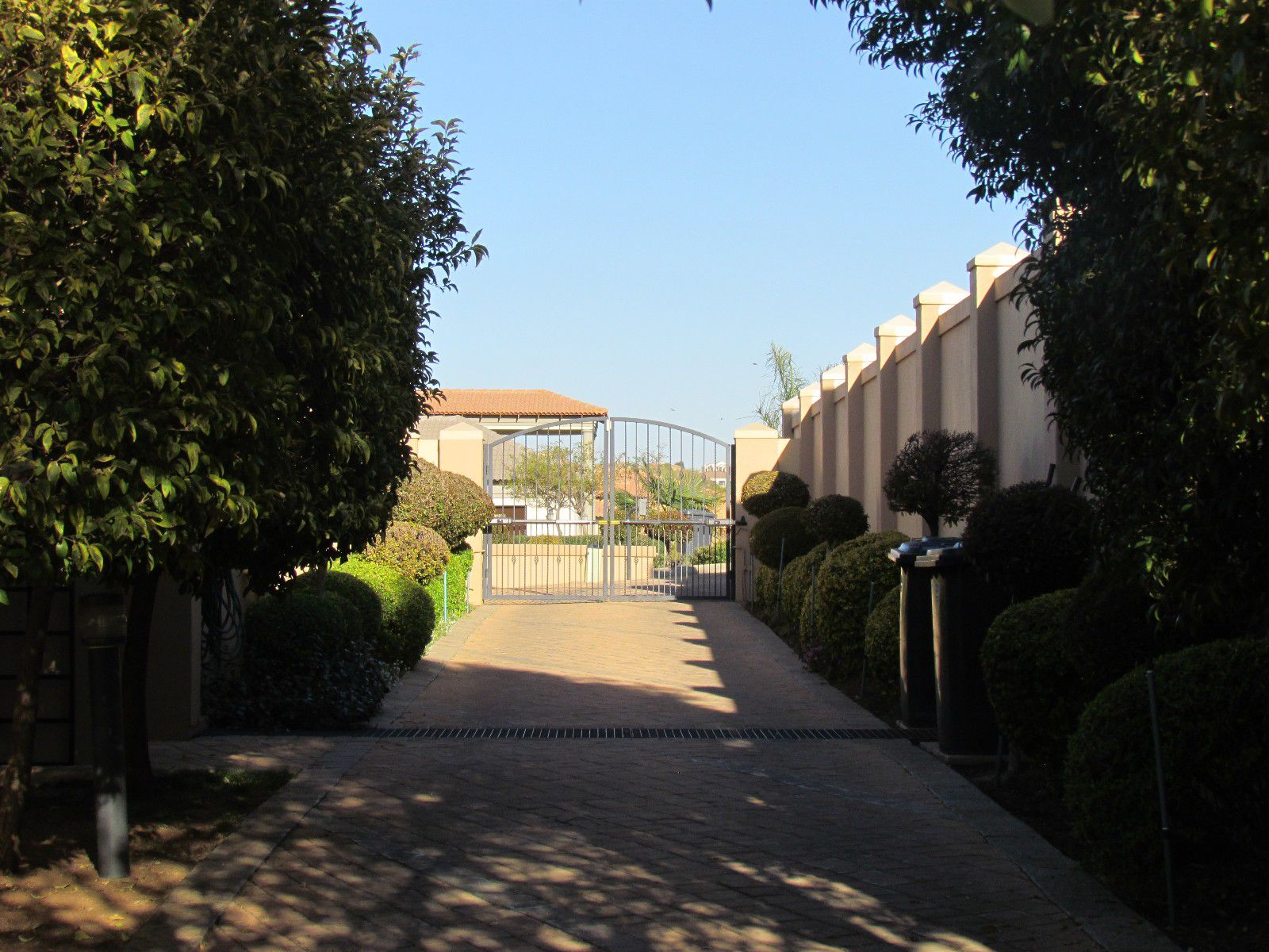 Blue Valley Golf Estate property for sale. Ref No: 13394351. Picture no 34