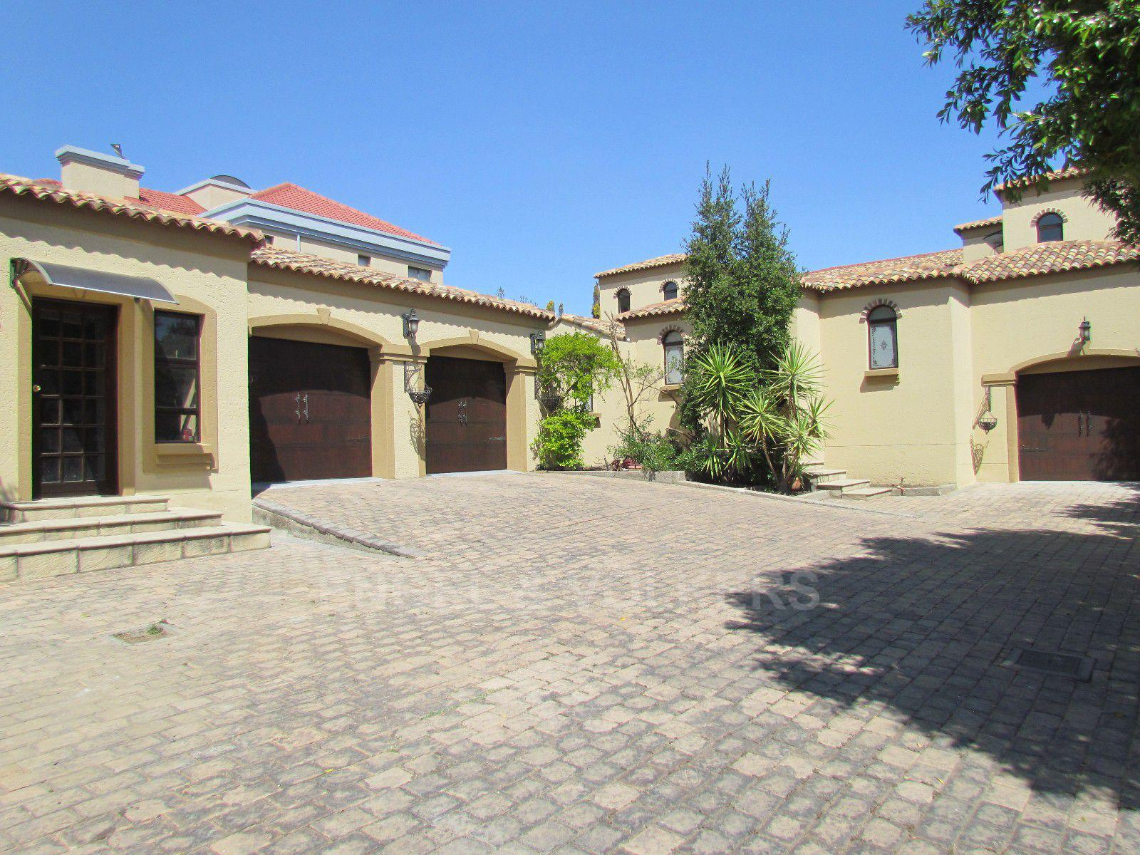 Blue Valley Golf Estate property for sale. Ref No: 13396015. Picture no 33