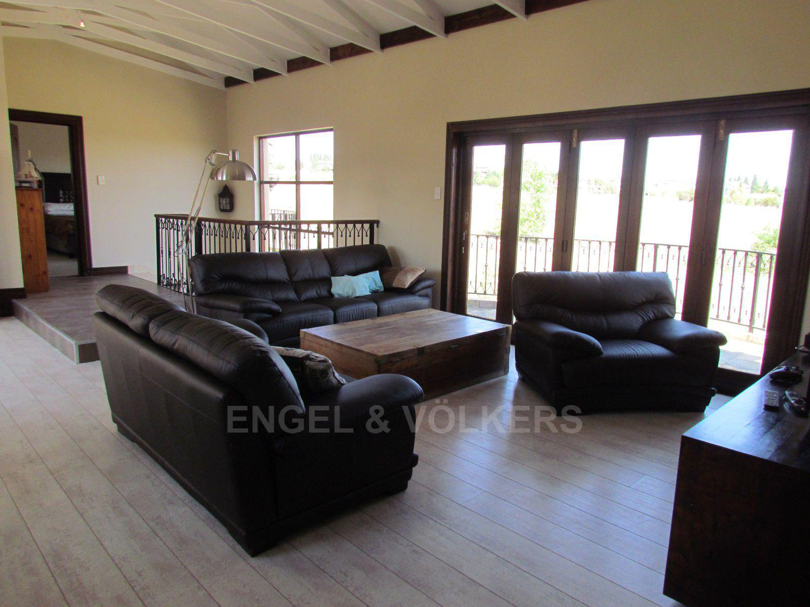 Blue Valley Golf Estate property for sale. Ref No: 13396015. Picture no 15