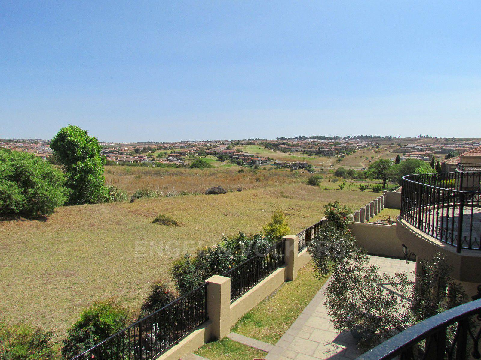 Blue Valley Golf Estate property for sale. Ref No: 13396015. Picture no 22