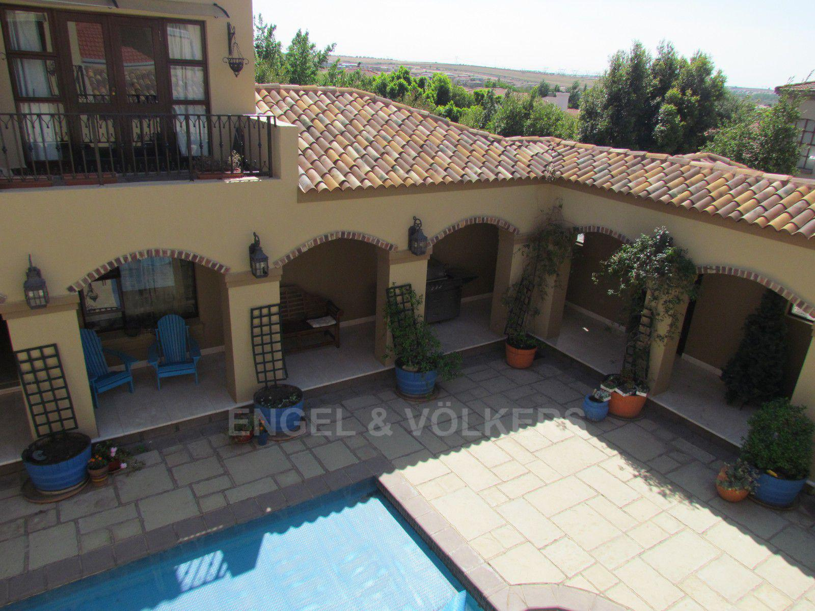Blue Valley Golf Estate property for sale. Ref No: 13396015. Picture no 25