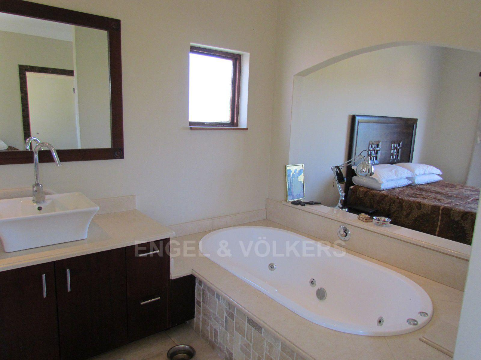 Blue Valley Golf Estate property for sale. Ref No: 13396015. Picture no 30