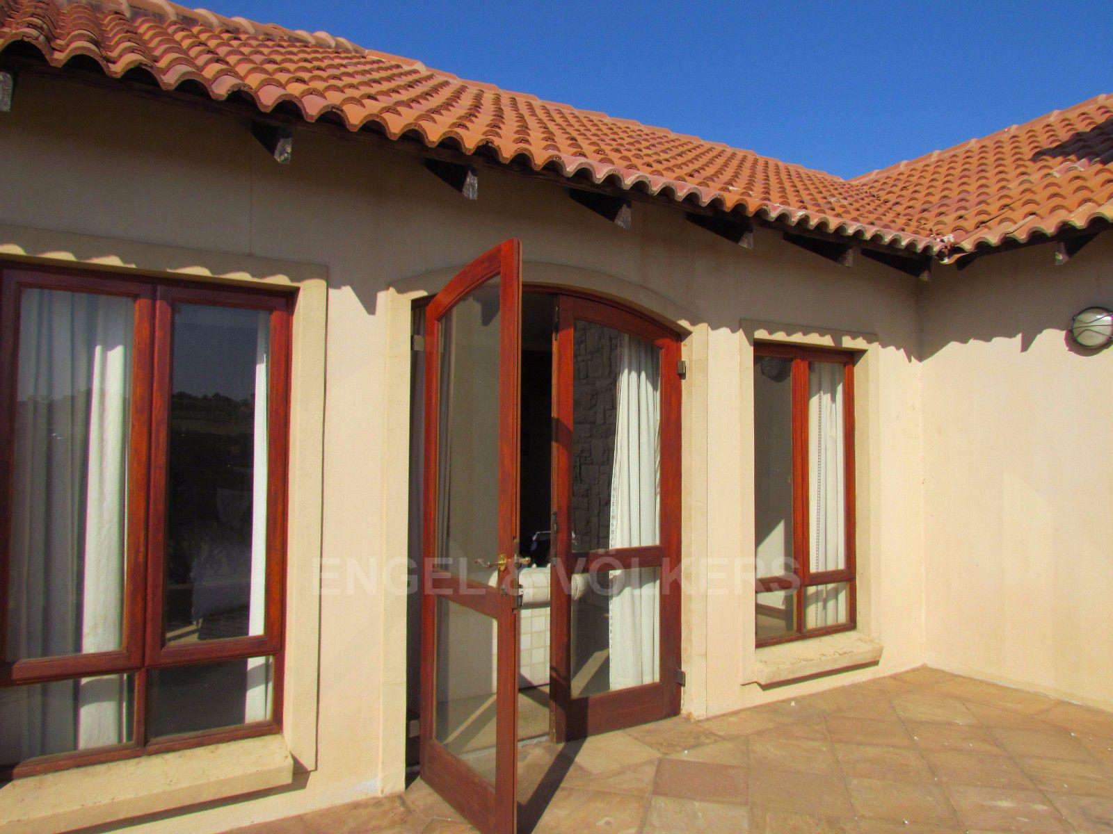 Blue Valley Golf Estate property for sale. Ref No: 13397472. Picture no 9