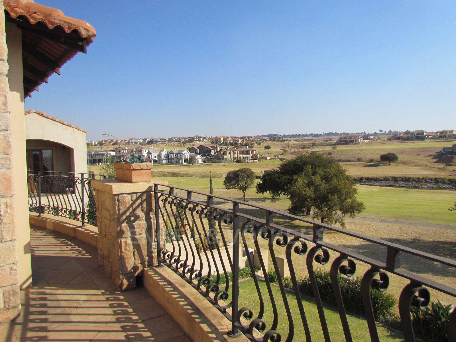 Blue Valley Golf Estate property for sale. Ref No: 13397472. Picture no 10
