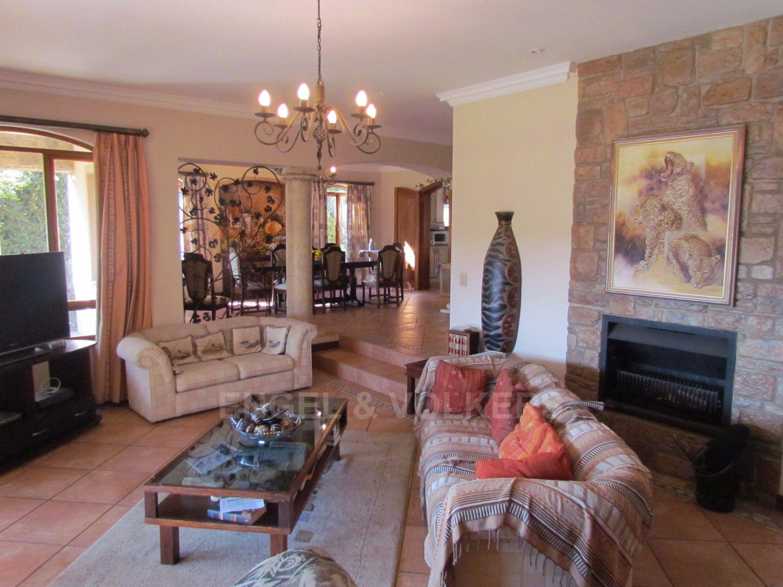 Blue Valley Golf Estate property for sale. Ref No: 13397472. Picture no 21