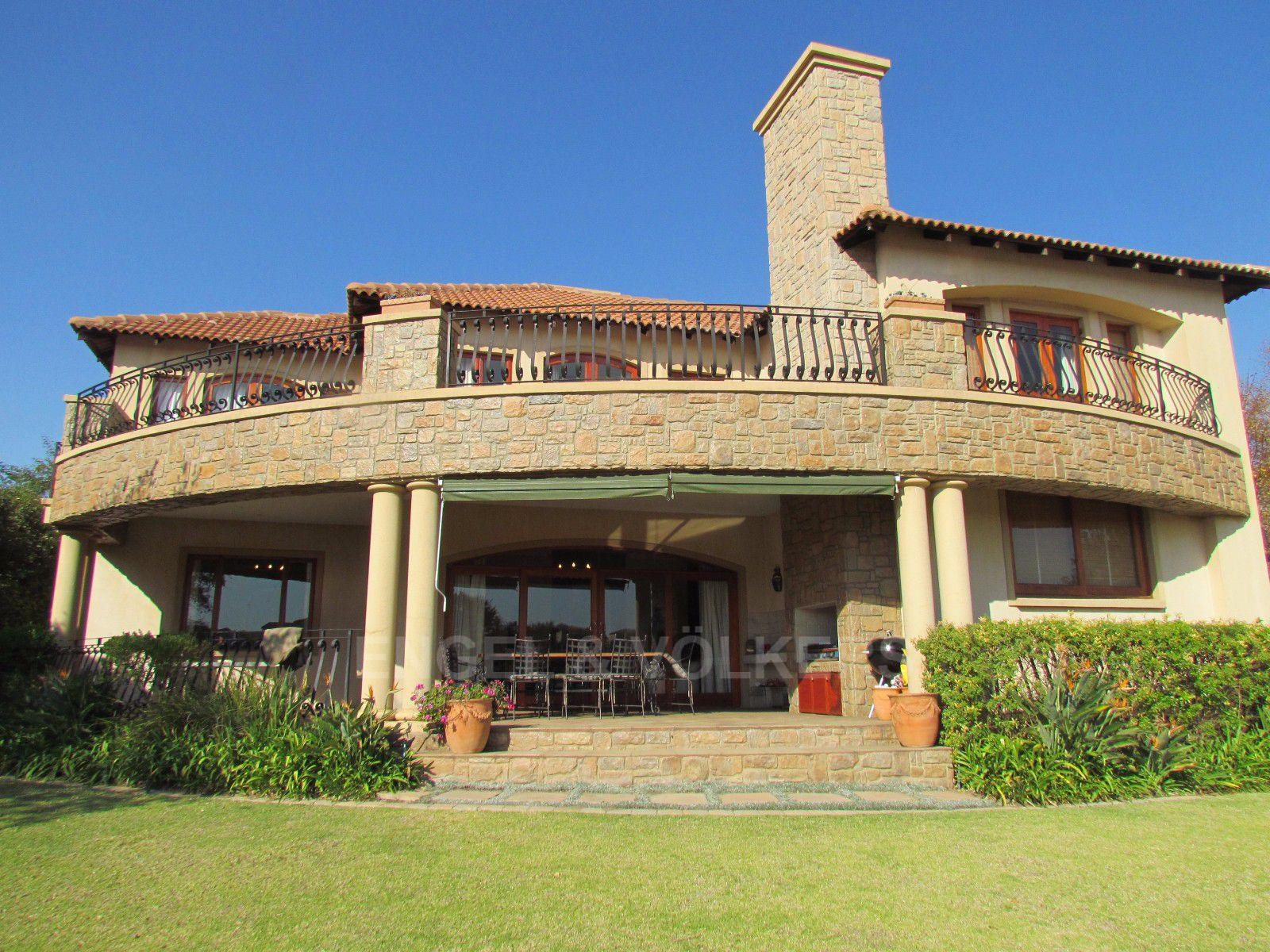 Blue Valley Golf Estate property for sale. Ref No: 13397472. Picture no 1