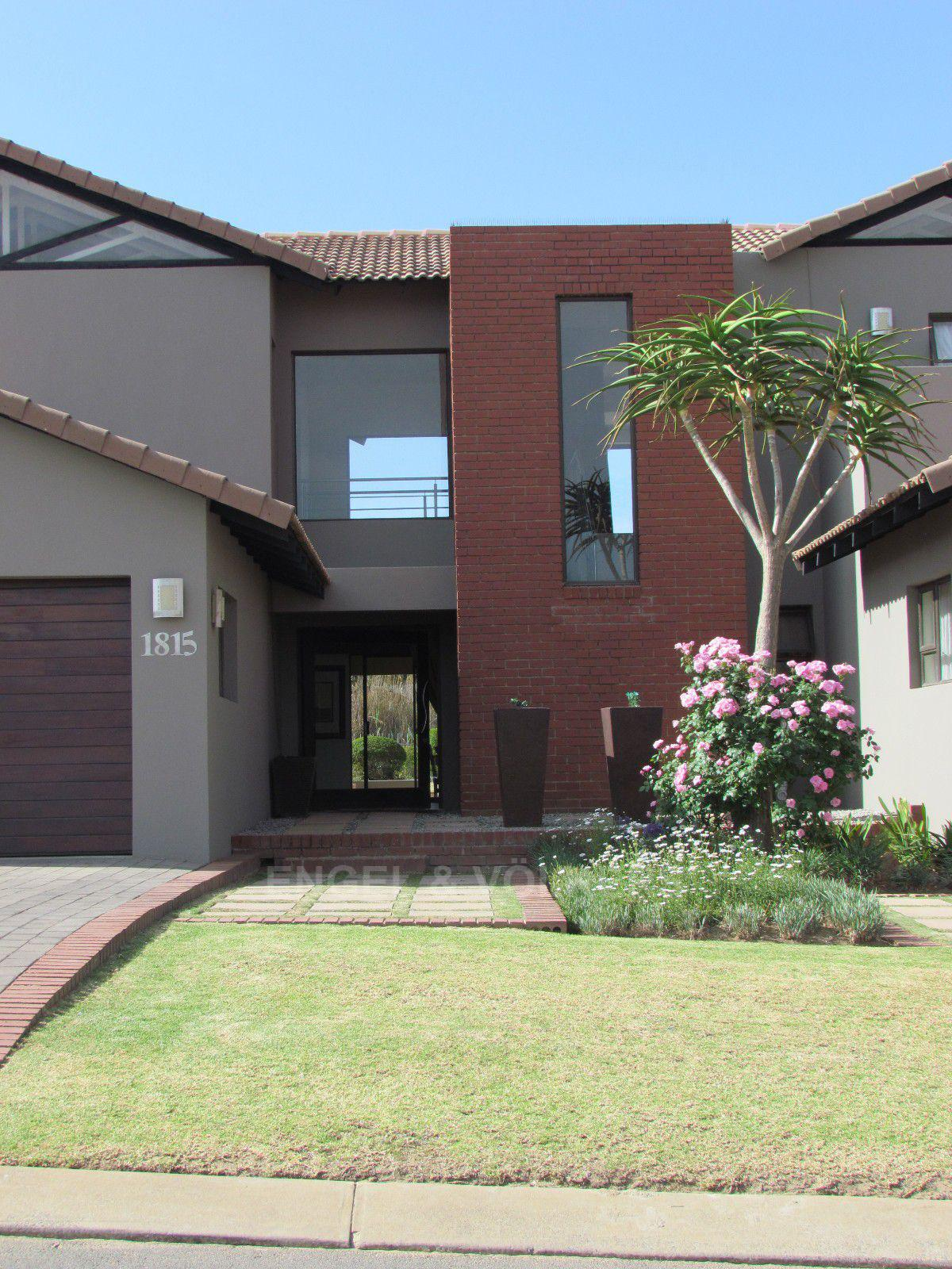 Blue Valley Golf Estate property for sale. Ref No: 13400715. Picture no 43