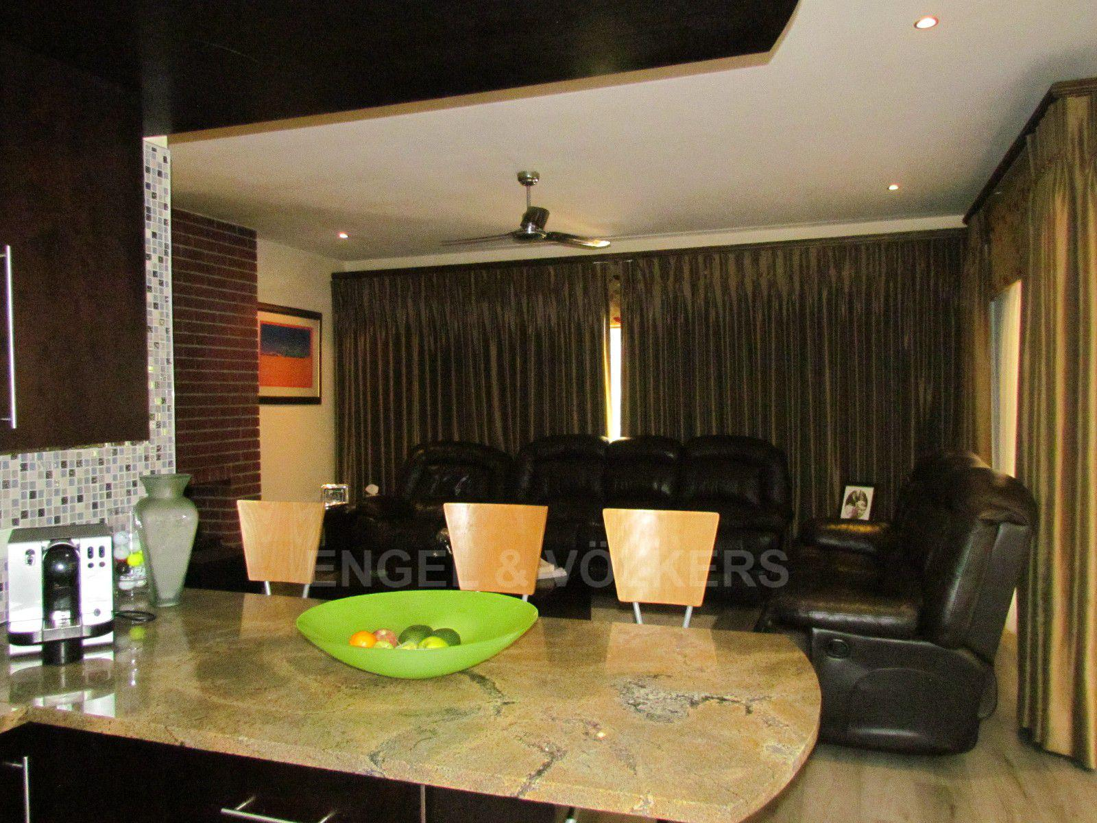 Blue Valley Golf Estate property for sale. Ref No: 13400715. Picture no 8