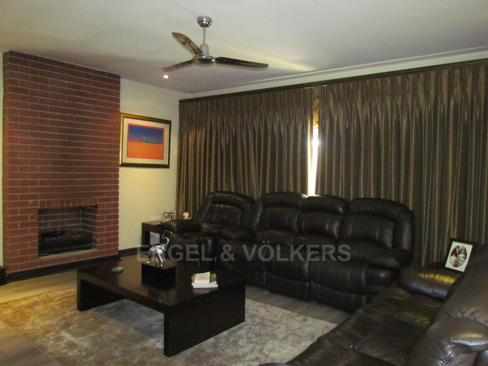 Blue Valley Golf Estate property for sale. Ref No: 13400715. Picture no 9