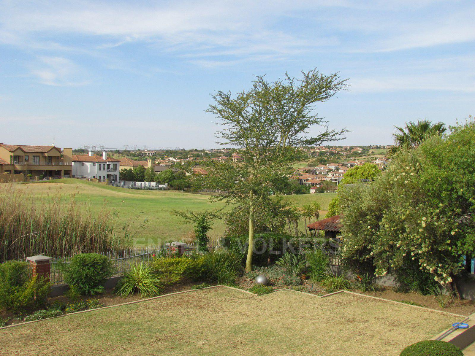 Blue Valley Golf Estate property for sale. Ref No: 13400715. Picture no 21