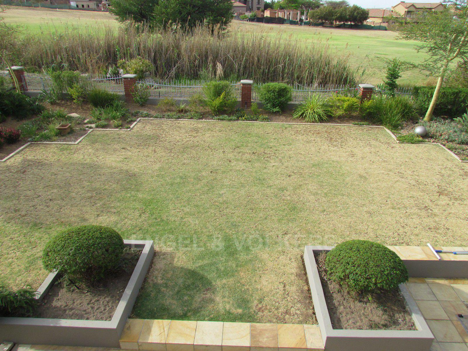 Blue Valley Golf Estate property for sale. Ref No: 13400715. Picture no 23