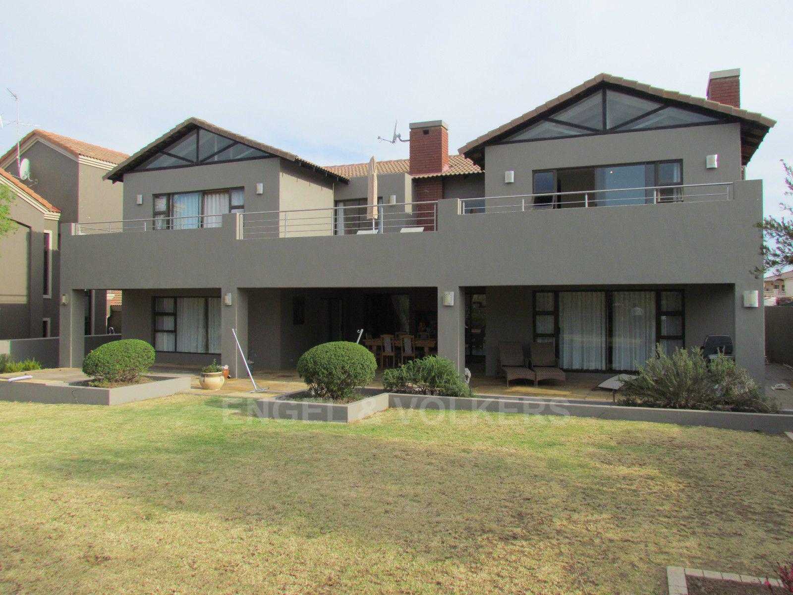 Blue Valley Golf Estate property for sale. Ref No: 13400715. Picture no 41