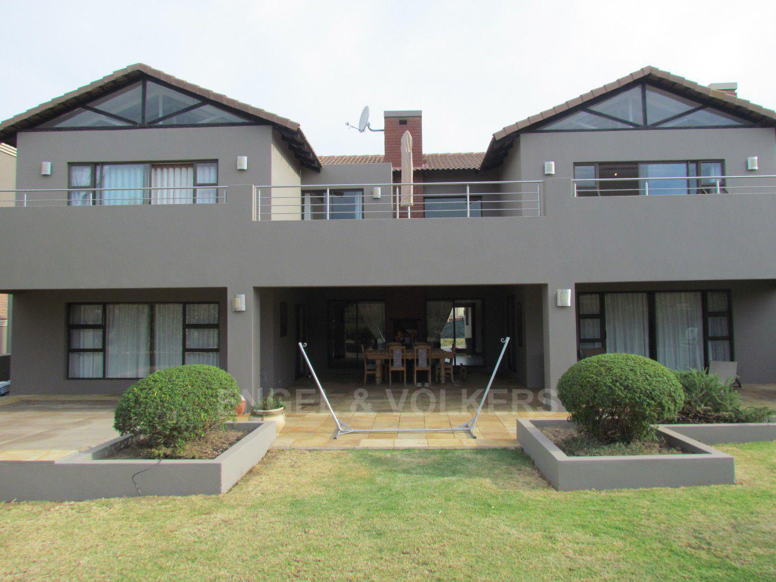 Blue Valley Golf Estate property for sale. Ref No: 13400715. Picture no 3