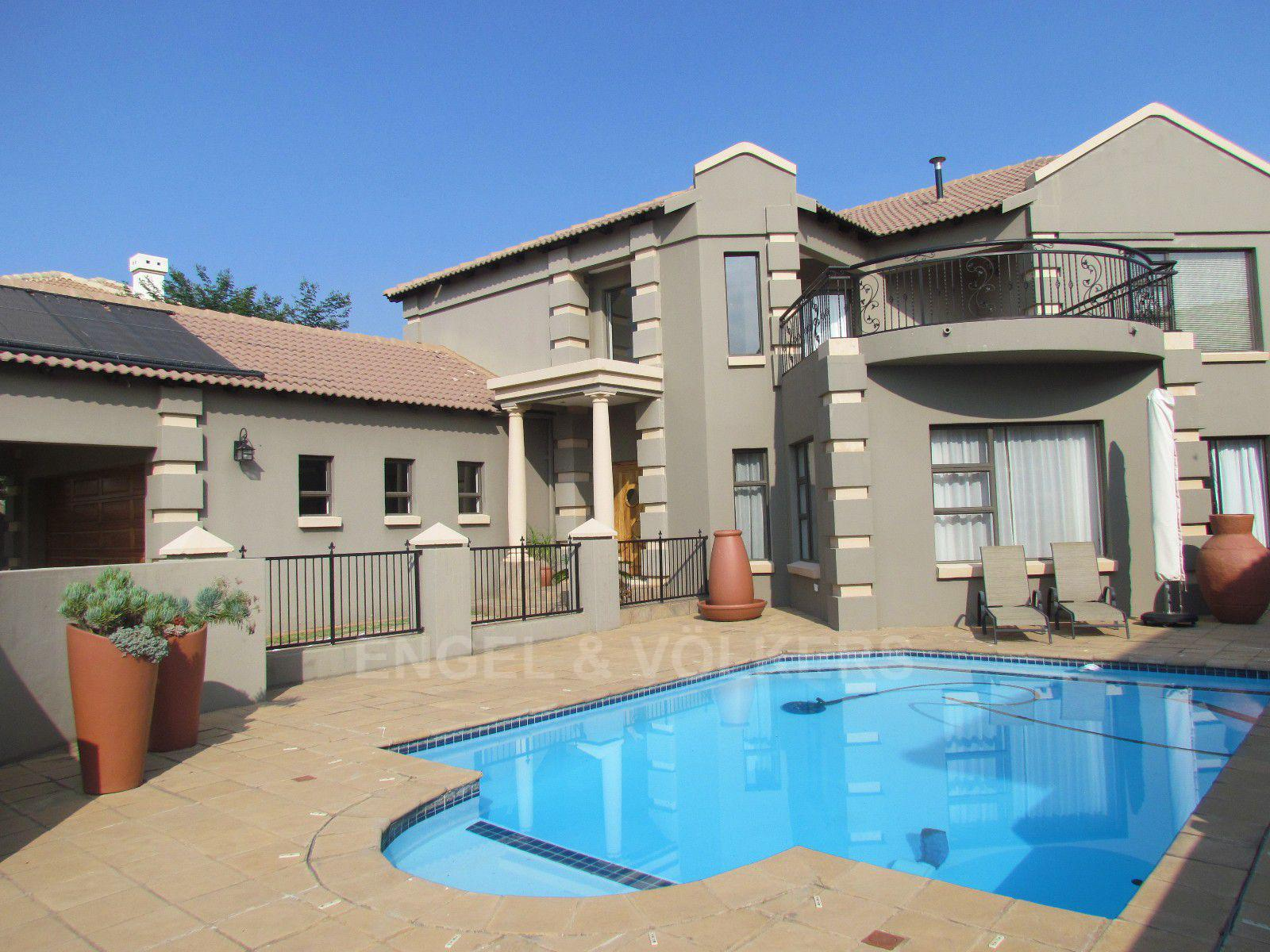 Blue Valley Golf Estate property for sale. Ref No: 13409006. Picture no 1