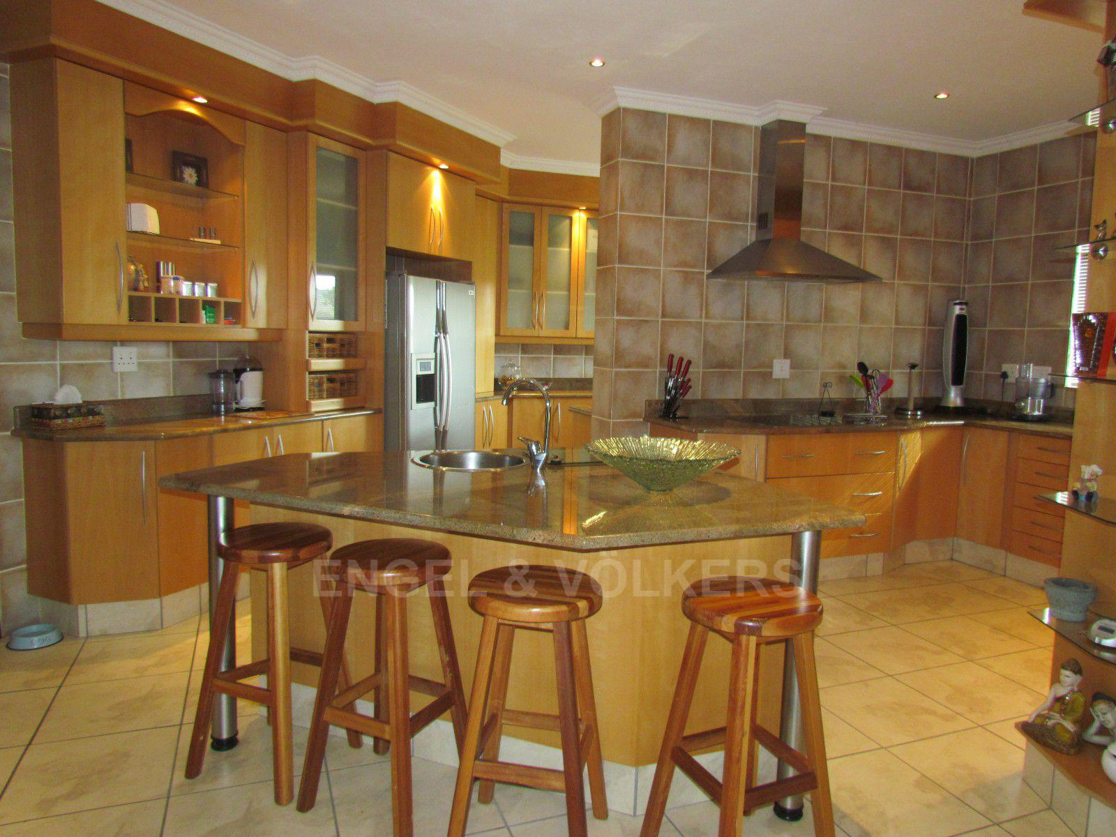 Blue Valley Golf Estate property for sale. Ref No: 13409006. Picture no 5