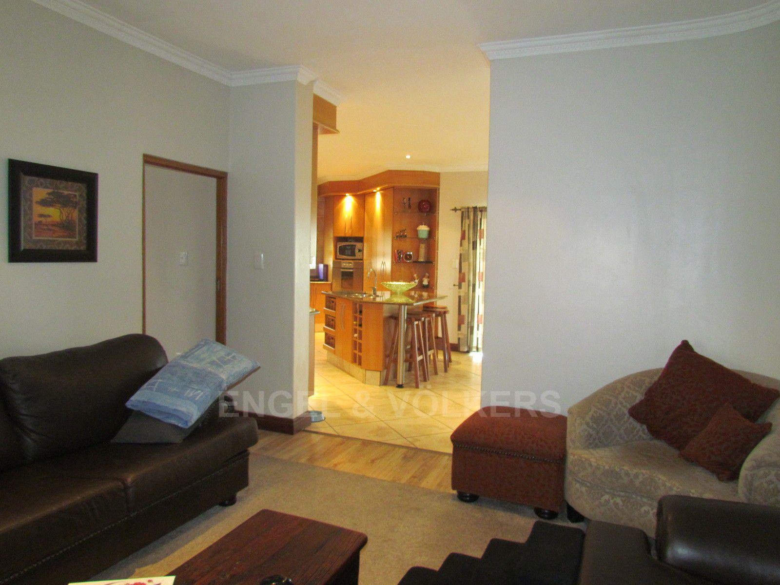 Blue Valley Golf Estate property for sale. Ref No: 13409006. Picture no 10