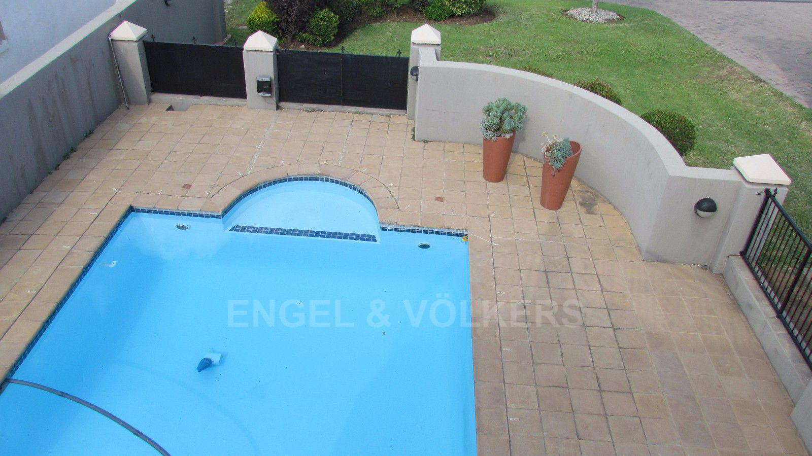 Blue Valley Golf Estate property for sale. Ref No: 13409006. Picture no 18