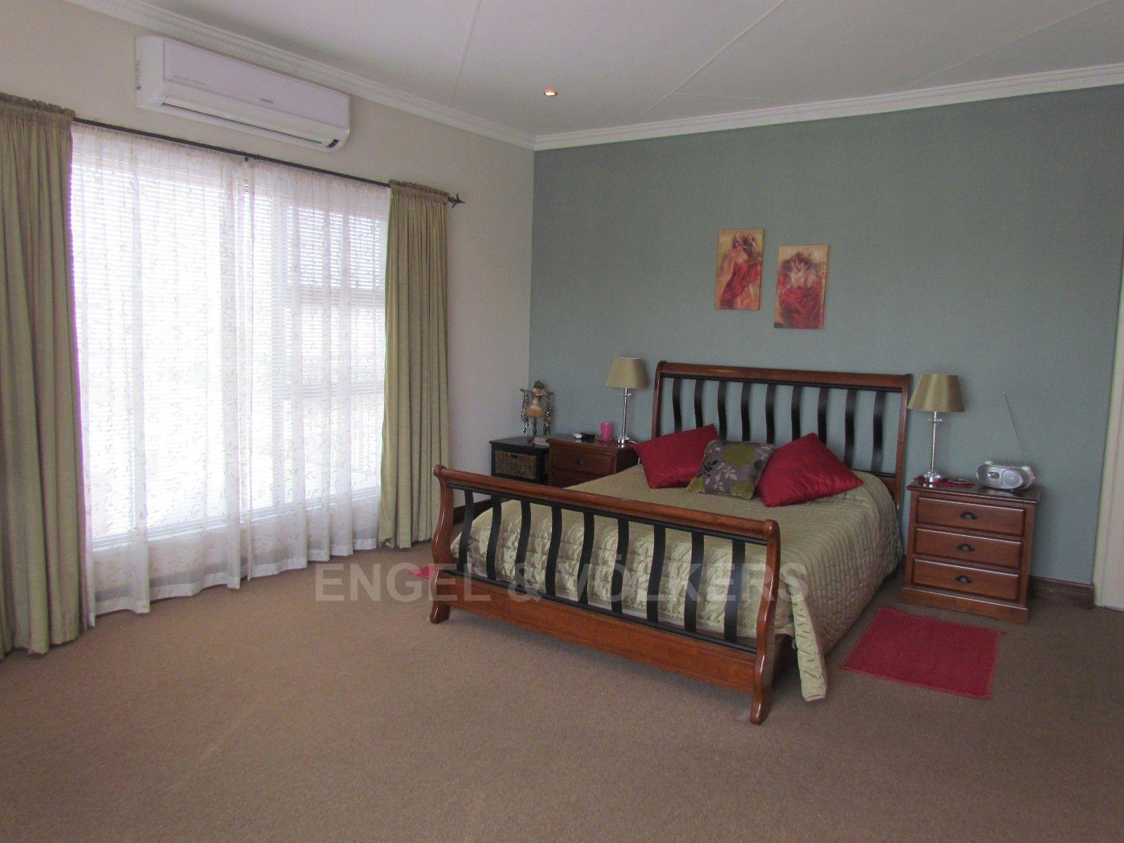 Blue Valley Golf Estate property for sale. Ref No: 13409006. Picture no 22