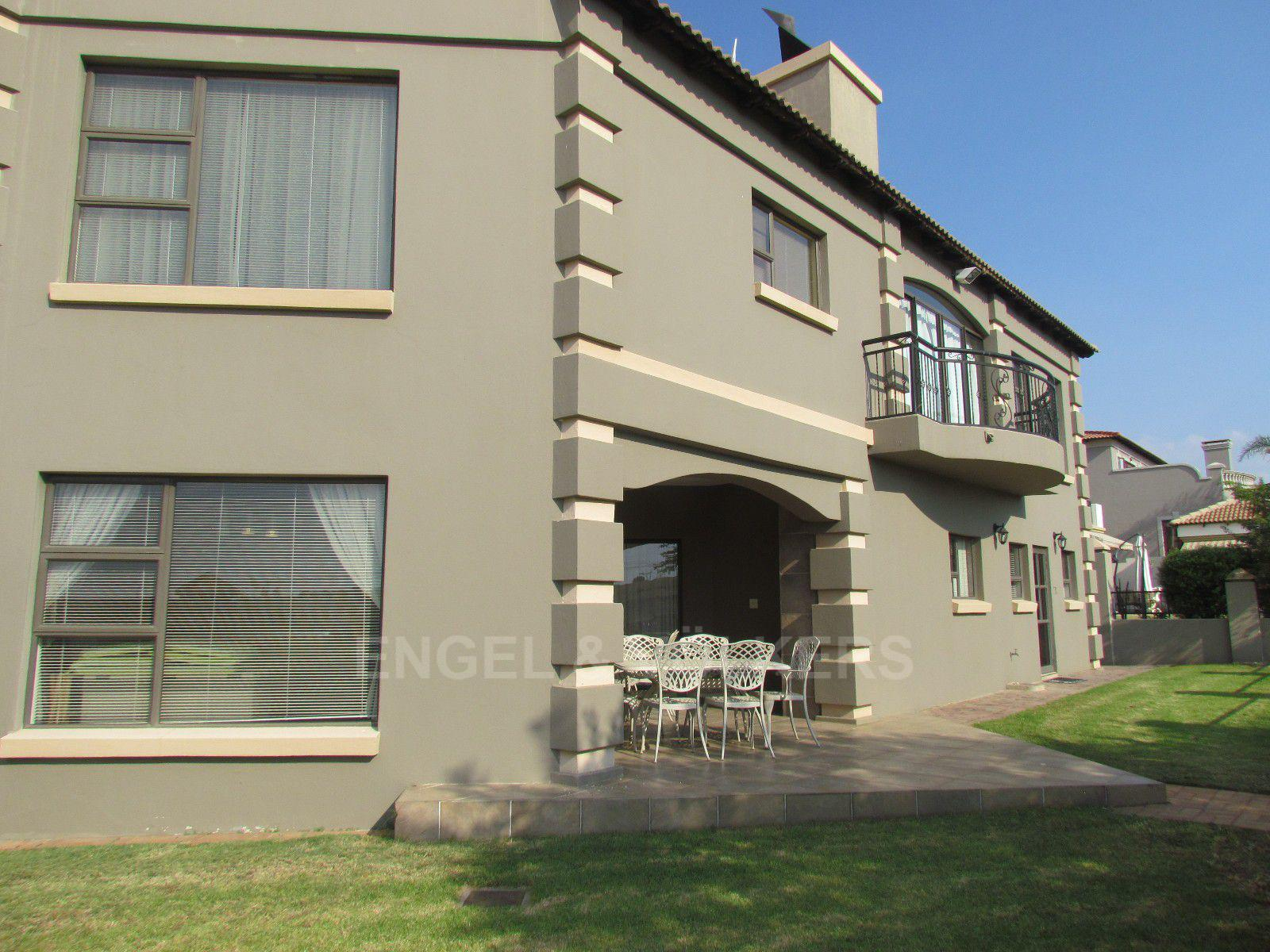 Blue Valley Golf Estate property for sale. Ref No: 13409006. Picture no 32