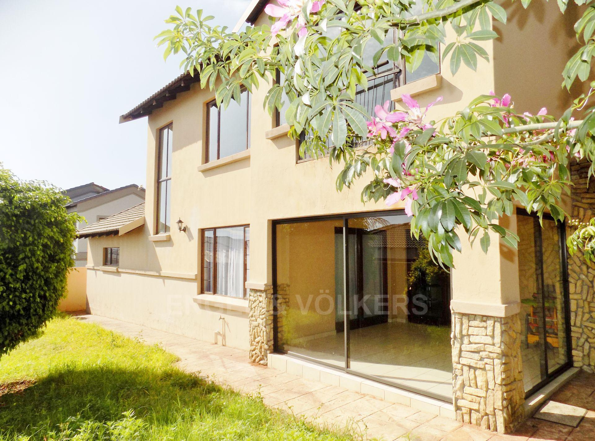Centurion, Thatchfield Estate Property    Houses For Sale Thatchfield Estate, THATCHFIELD ESTATE, Duplex 3 bedrooms property for sale Price:1,795,000