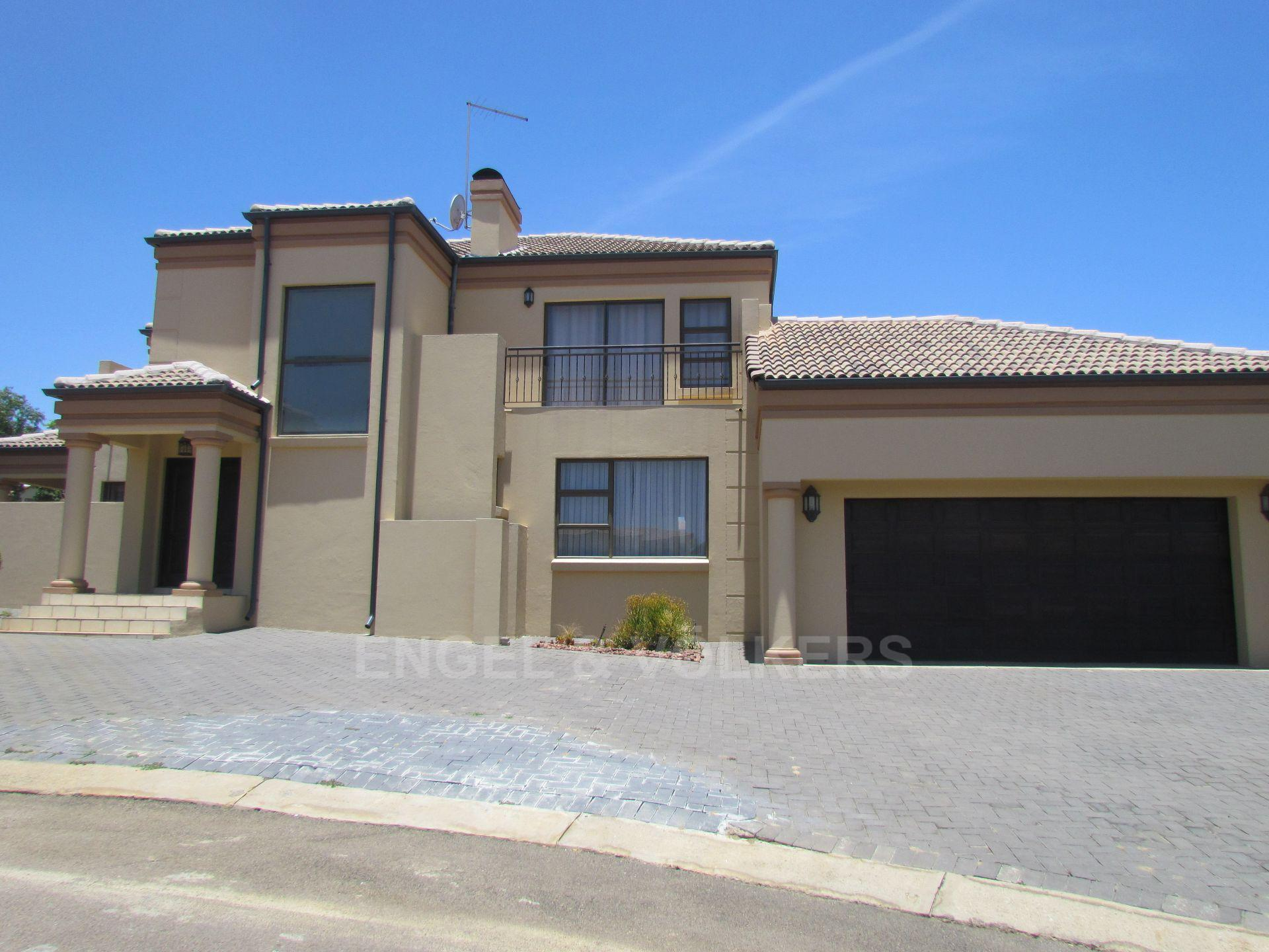 Blue Valley Golf Estate property for sale. Ref No: 13467099. Picture no 2