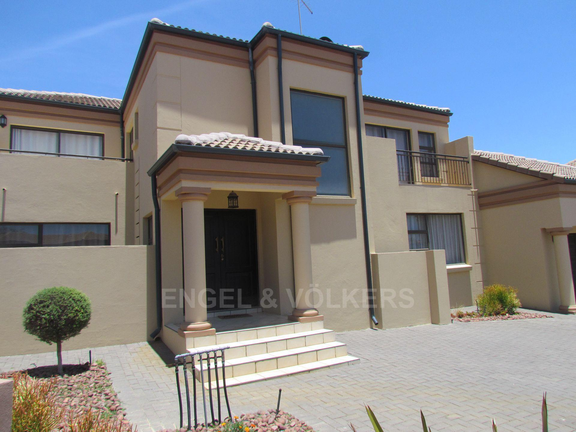 Blue Valley Golf Estate property for sale. Ref No: 13467099. Picture no 25