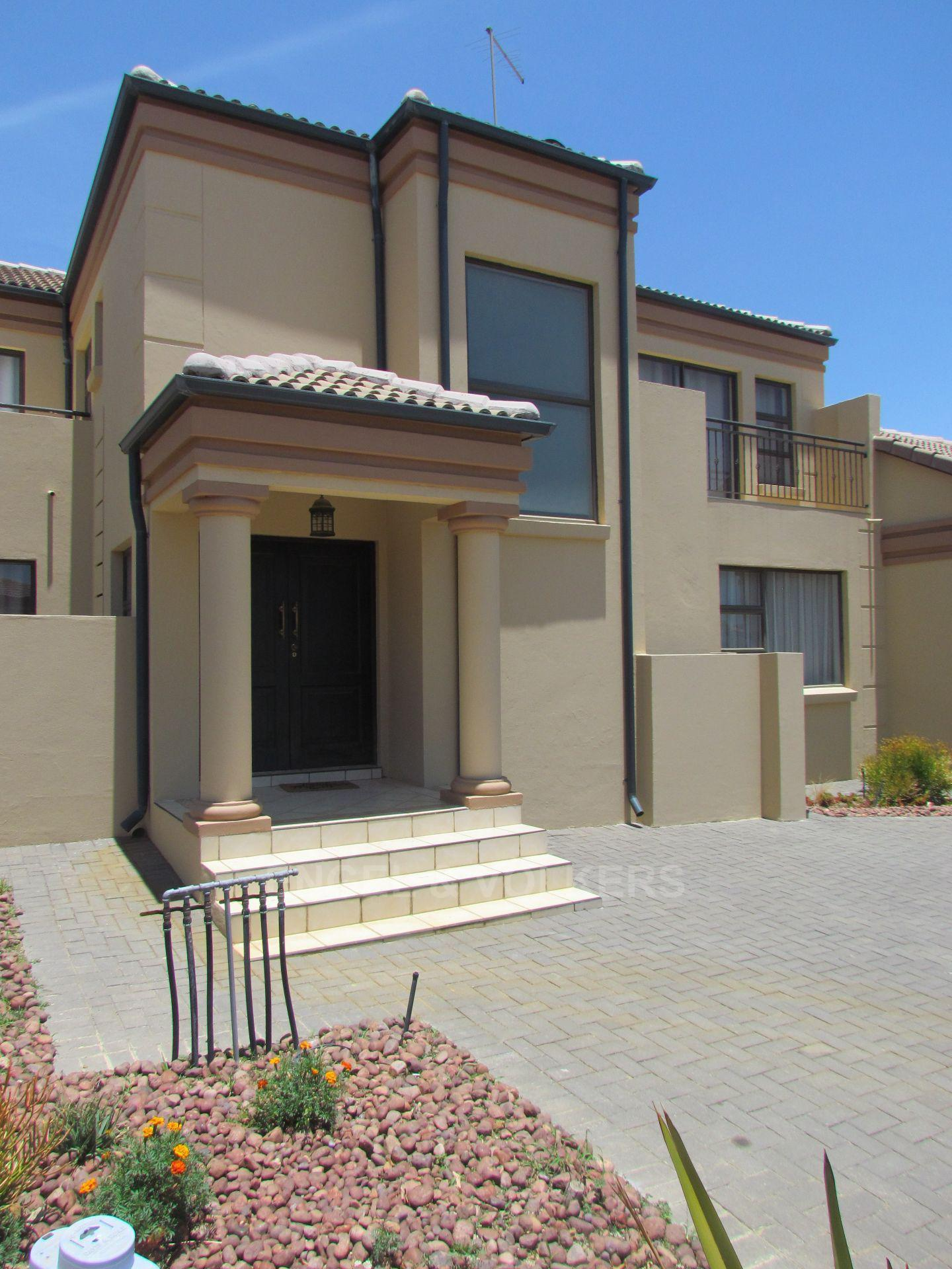 Blue Valley Golf Estate property for sale. Ref No: 13467099. Picture no 28