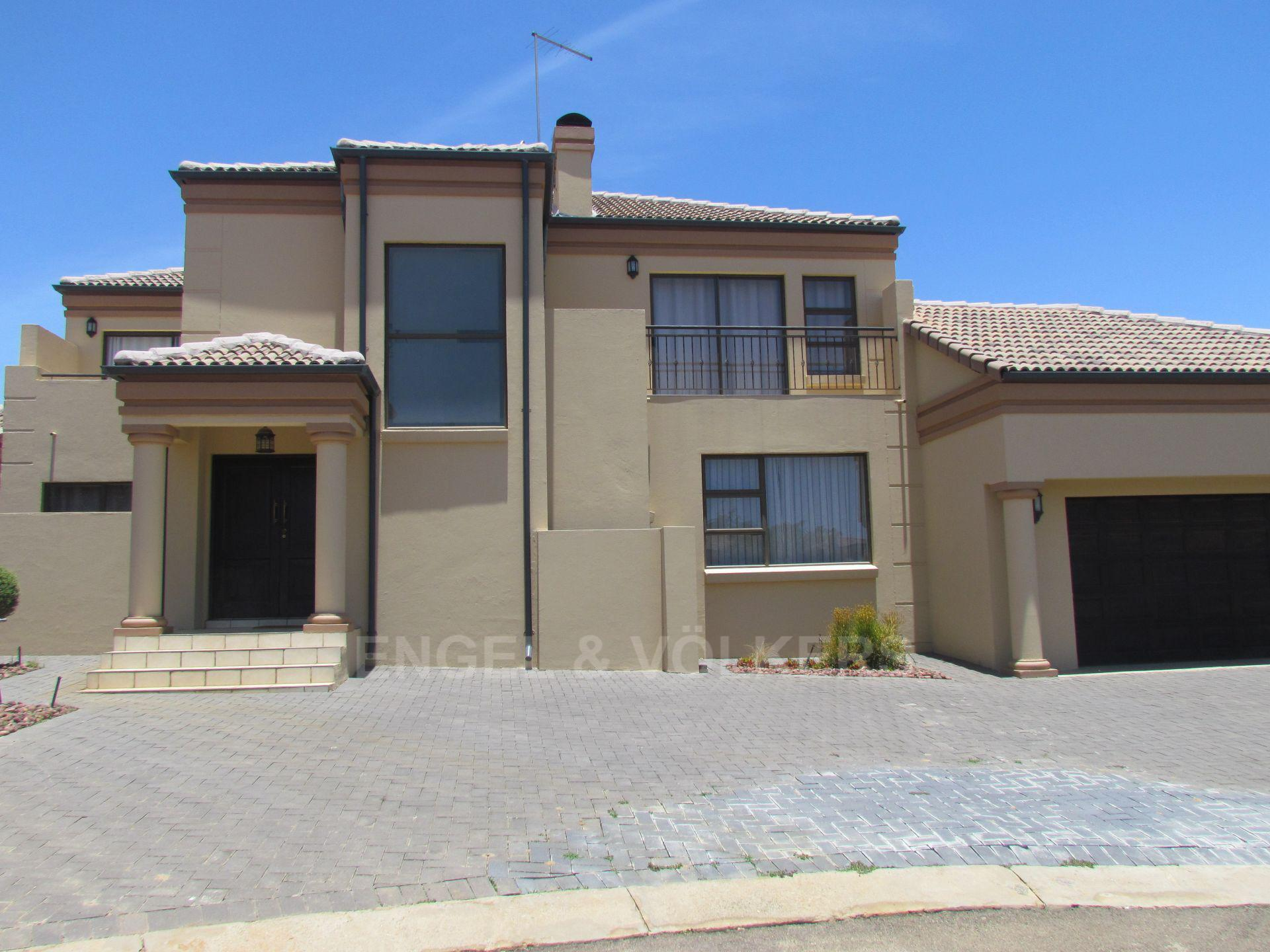 Blue Valley Golf Estate property for sale. Ref No: 13467099. Picture no 26