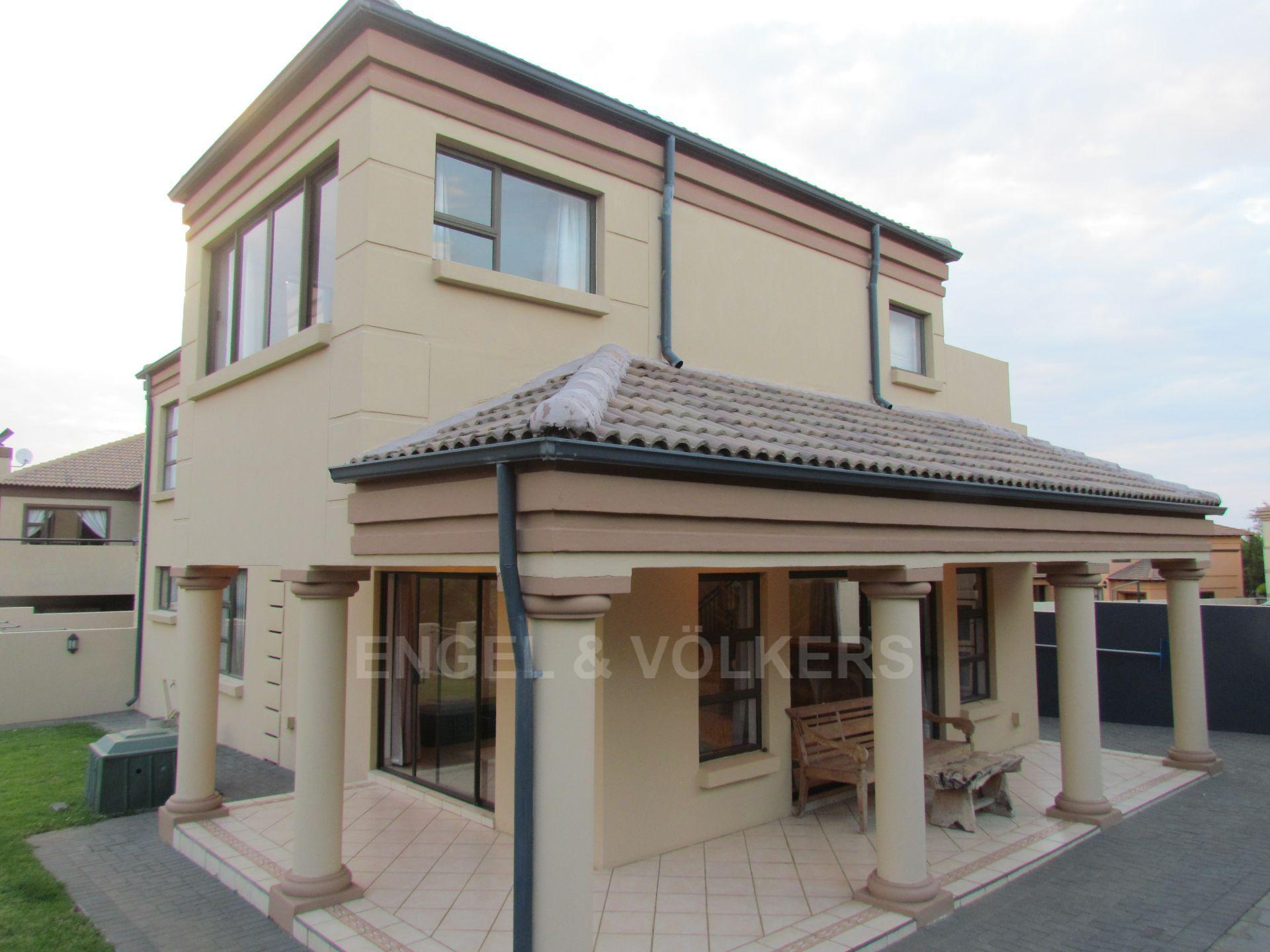 Blue Valley Golf Estate property for sale. Ref No: 13467099. Picture no 18