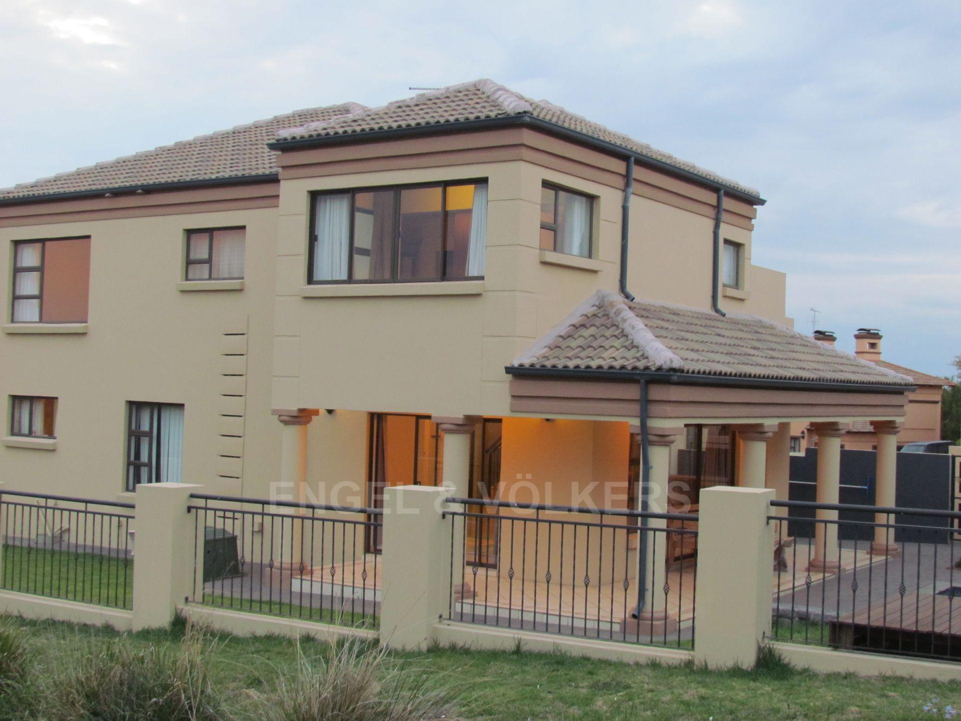 Blue Valley Golf Estate property for sale. Ref No: 13467099. Picture no 23