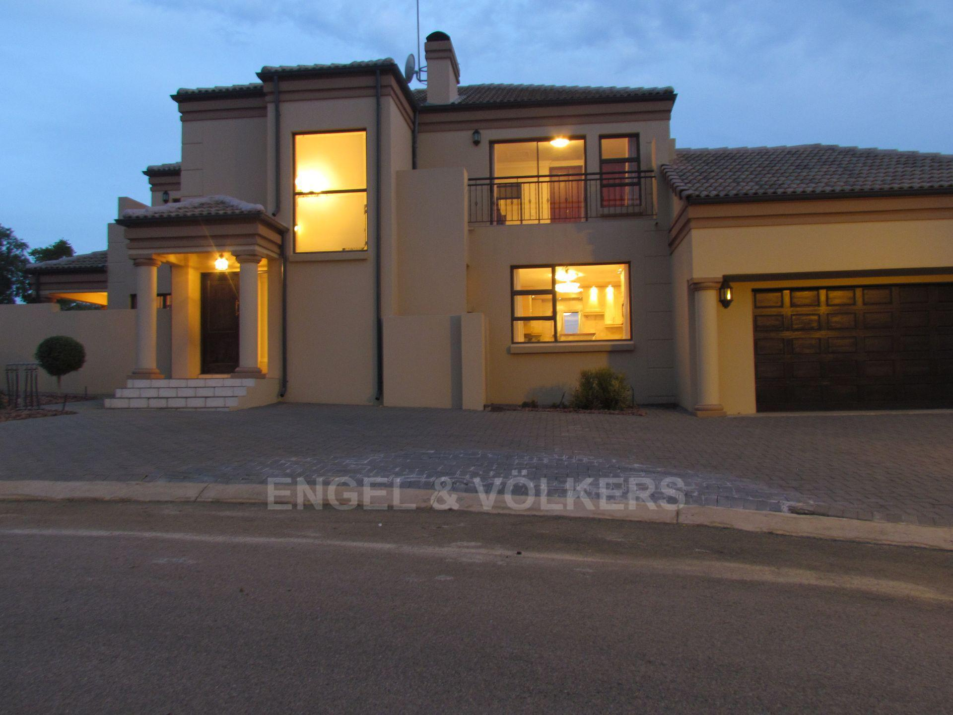 Blue Valley Golf Estate property for sale. Ref No: 13467099. Picture no 24