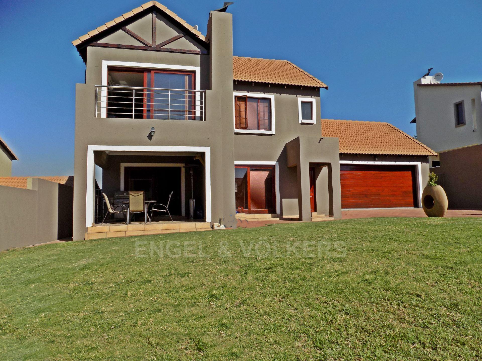 Centurion, Thatchfield Estate Property  | Houses For Sale Thatchfield Estate, THATCHFIELD ESTATE, Duet 3 bedrooms property for sale Price:2,150,000