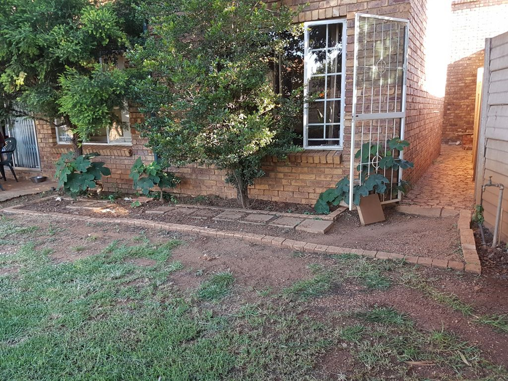 Highveld property for sale. Ref No: 13543484. Picture no 5