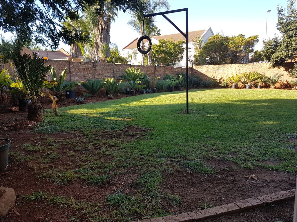 Highveld property for sale. Ref No: 13543484. Picture no 6