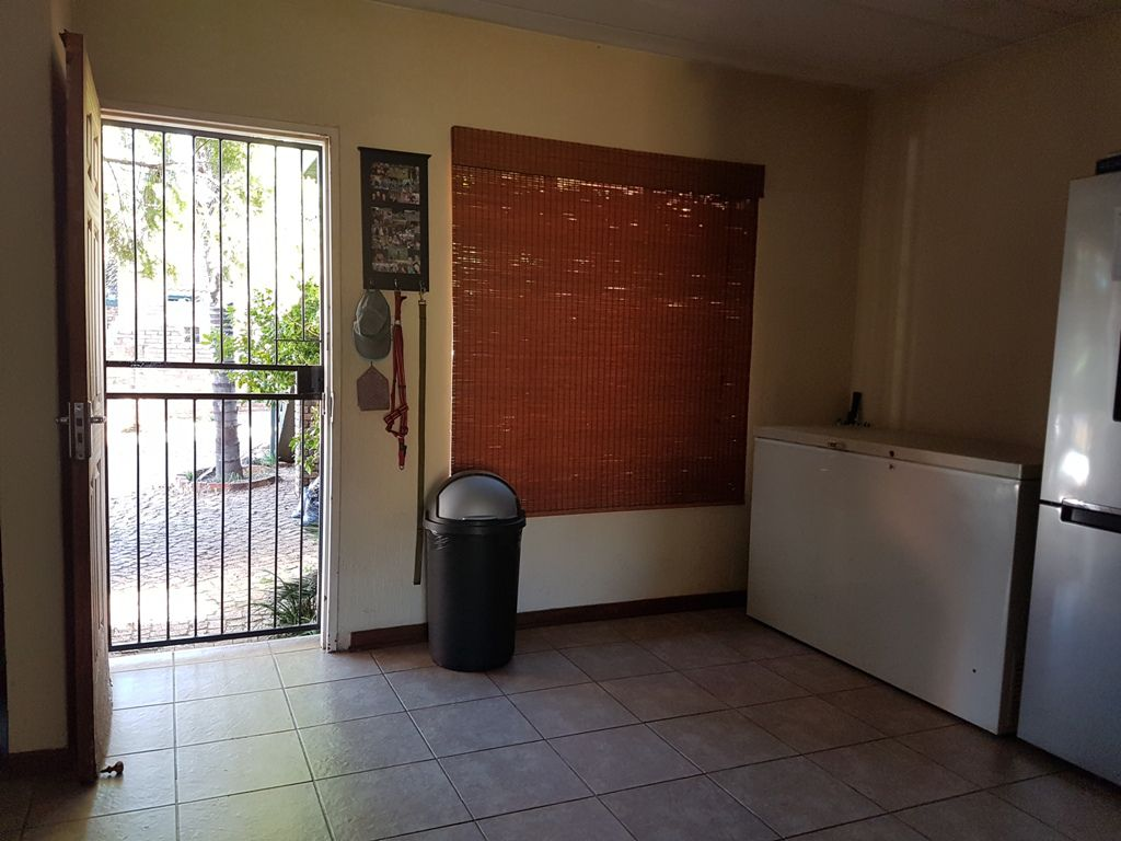 Highveld property for sale. Ref No: 13543484. Picture no 12