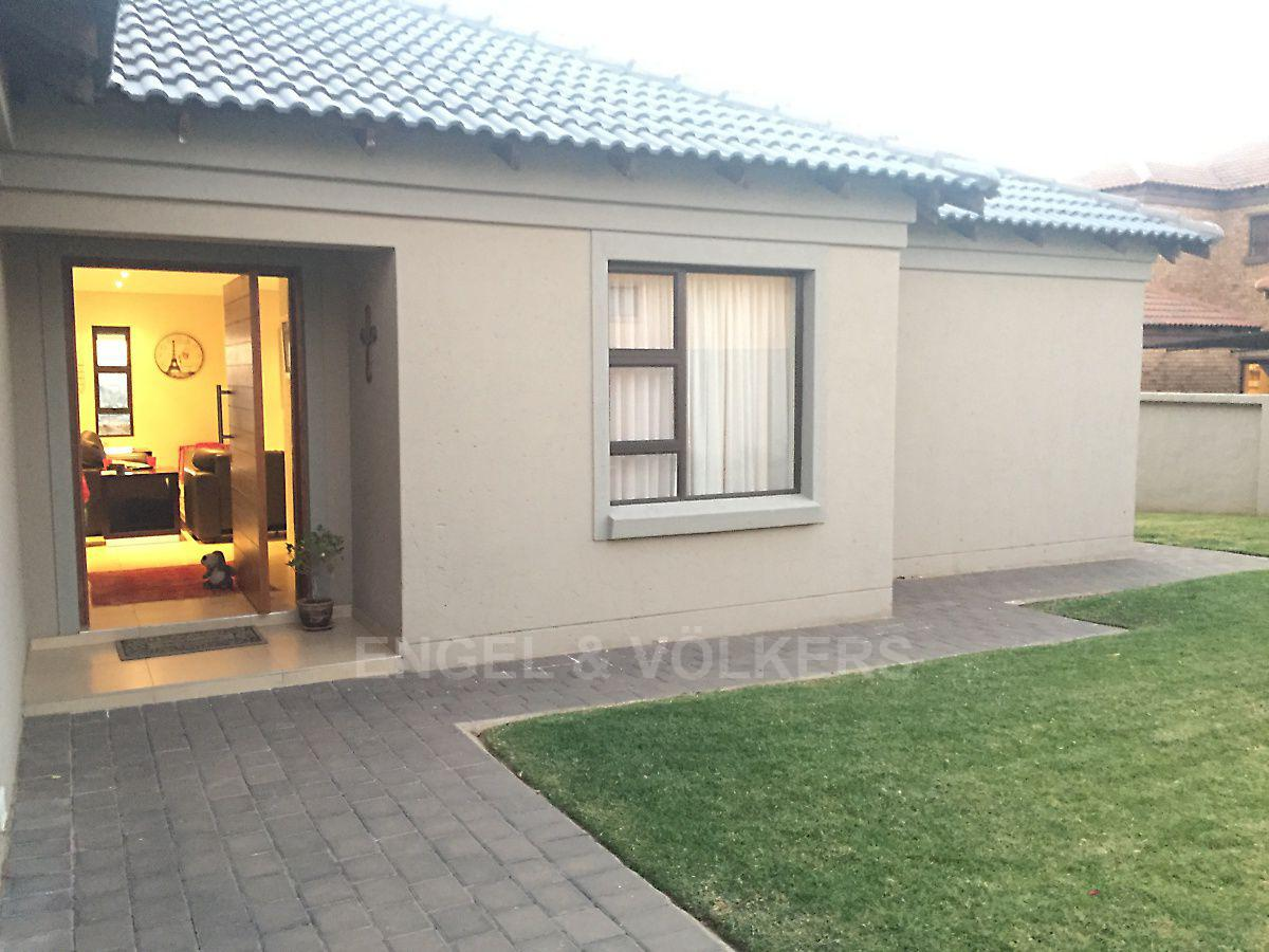 Centurion, Amberfield Manor Property    Houses For Sale Amberfield Manor, AMBERFIELD MANOR, House 4 bedrooms property for sale Price:2,450,000