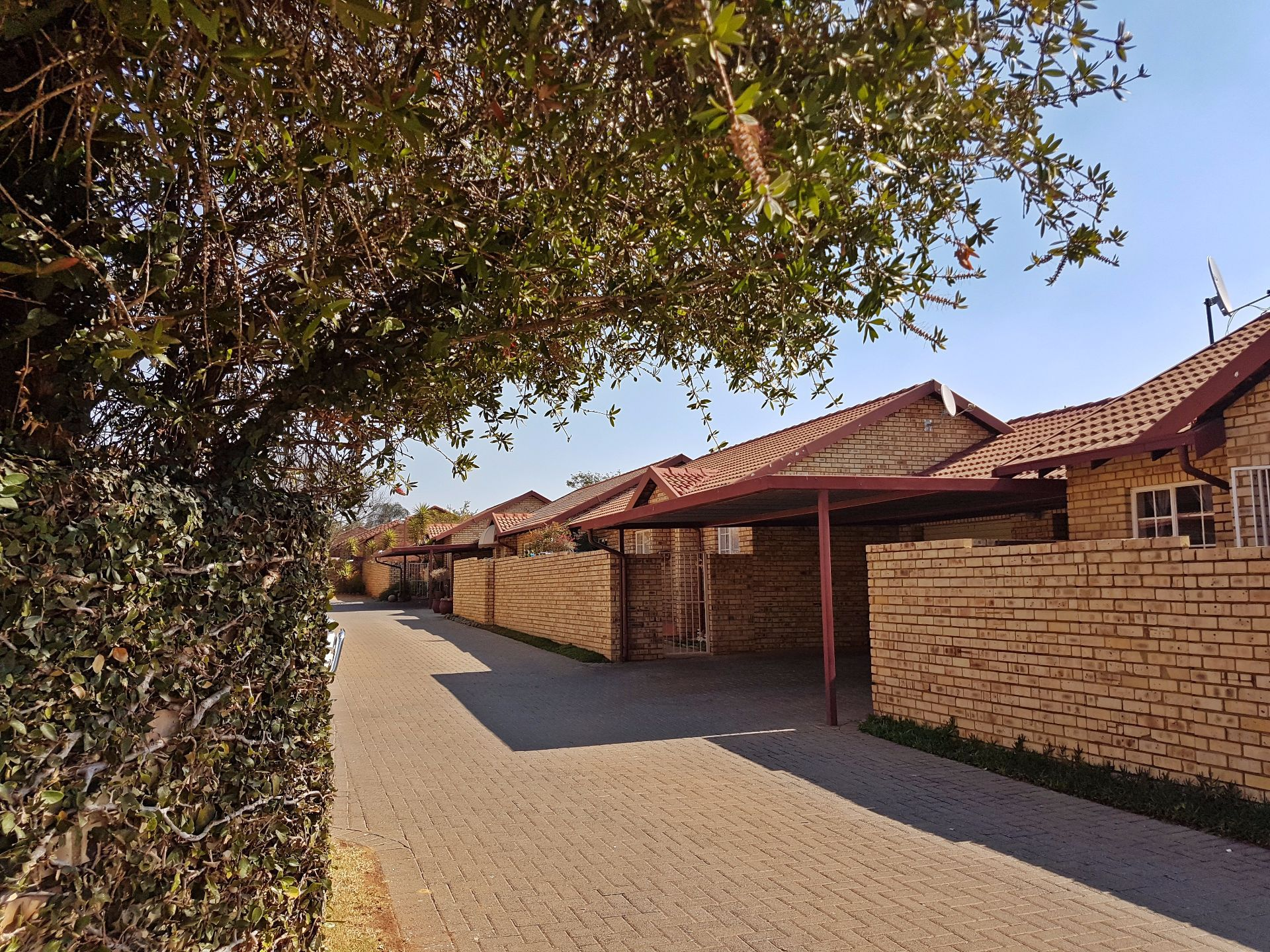Centurion, Highveld Ext 12 Property  | Houses For Sale Highveld Ext 12, HIGHVELD Ext 12, Simplex 2 bedrooms property for sale Price:990,000