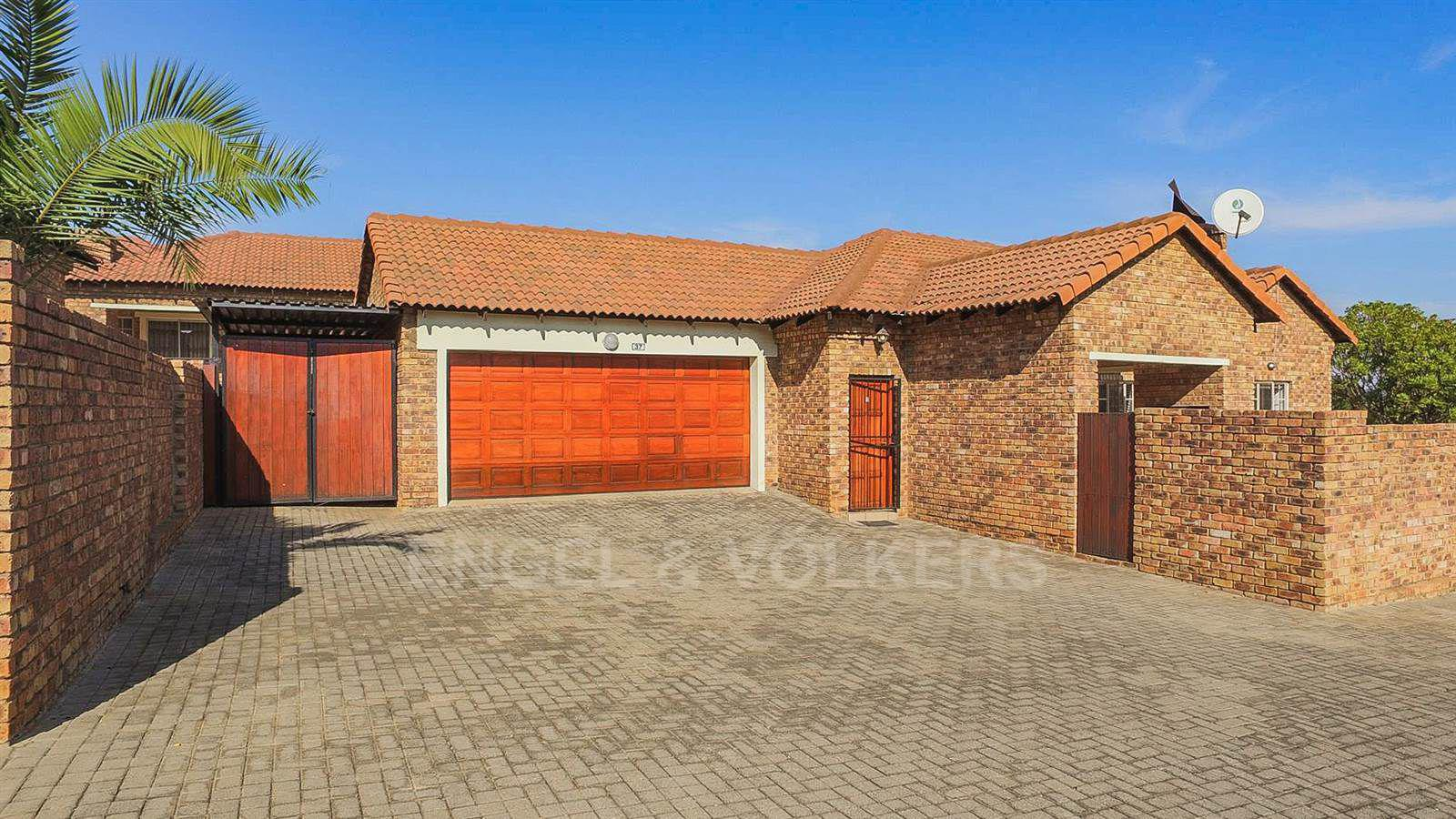 Centurion, Amberfield Manor Property  | Houses For Sale Amberfield Manor, AMBERFIELD MANOR, Simplex 3 bedrooms property for sale Price:1,399,000