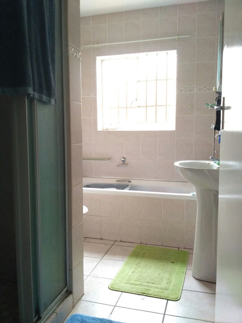 Highveld property for sale. Ref No: 13513379. Picture no 16