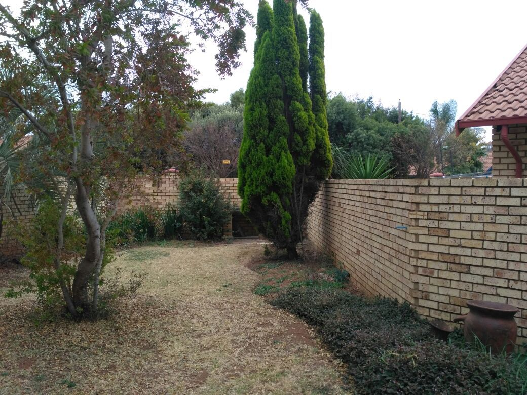 Highveld property for sale. Ref No: 13513379. Picture no 4