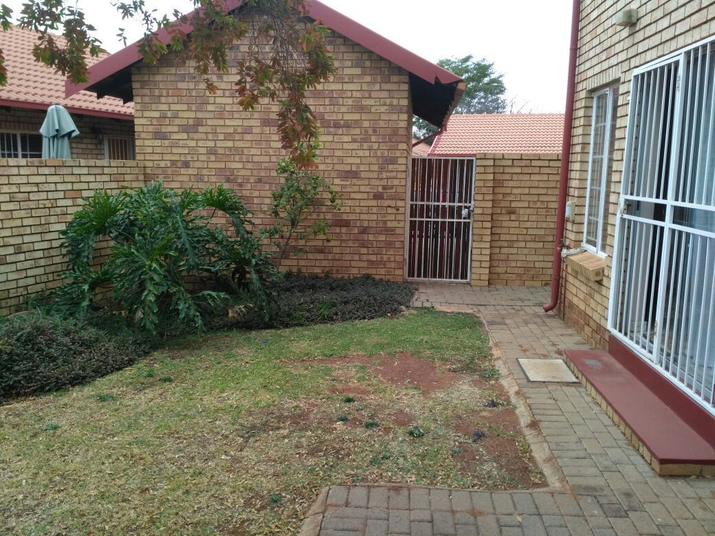 Highveld property for sale. Ref No: 13513379. Picture no 11